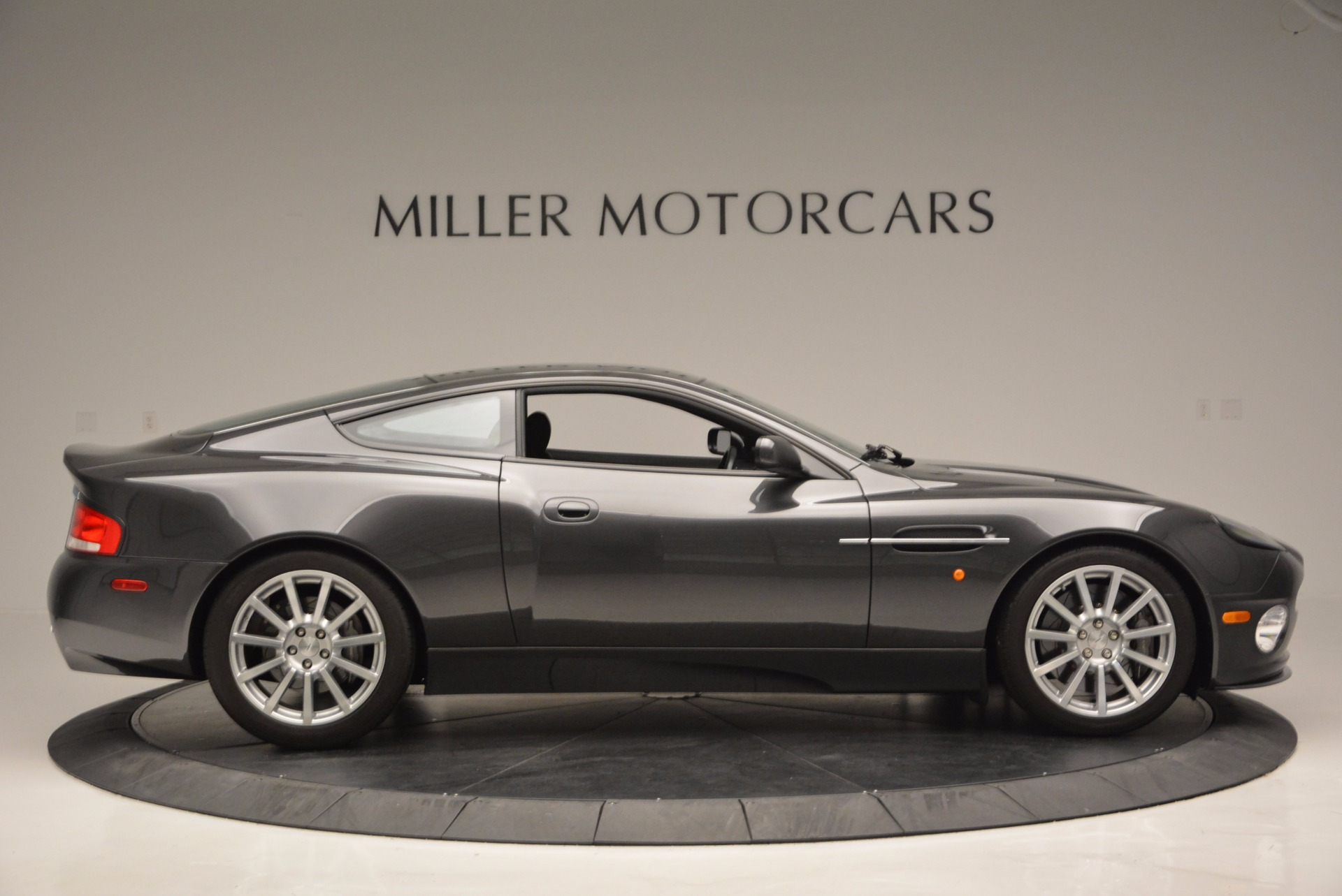 Used 2005 Aston Martin V12 Vanquish S For Sale In Westport, CT 645_p9
