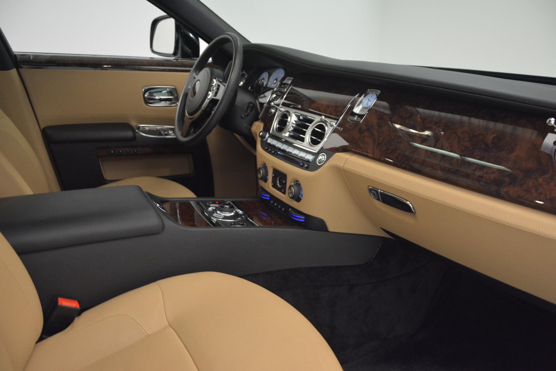 Used 2011 Rolls-Royce Ghost  For Sale In Westport, CT 648_p27