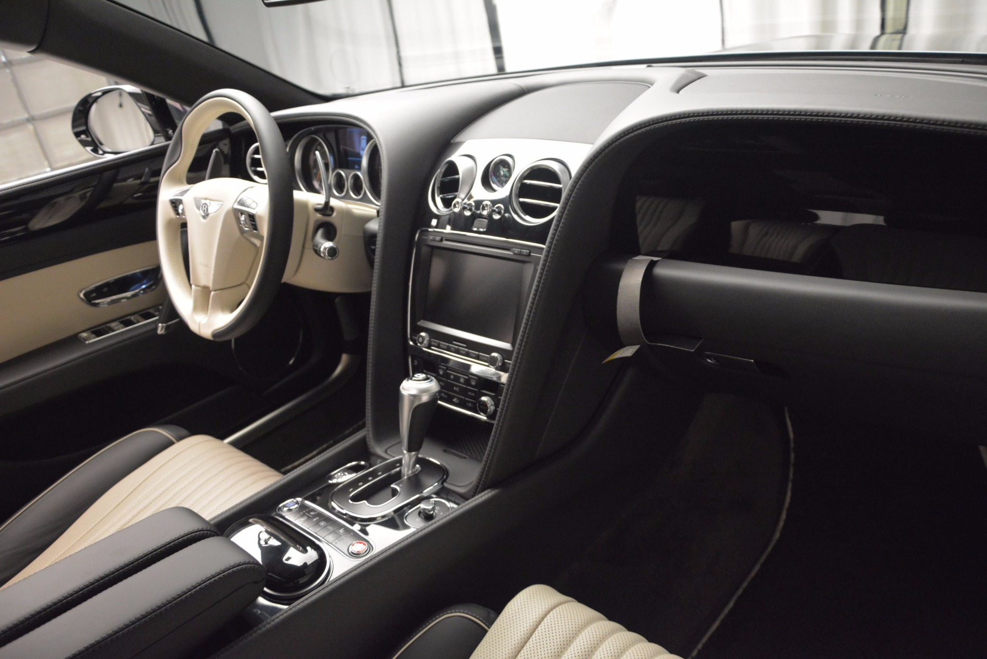 New 2017 Bentley Flying Spur V8 S  For Sale In Westport, CT 651_p21