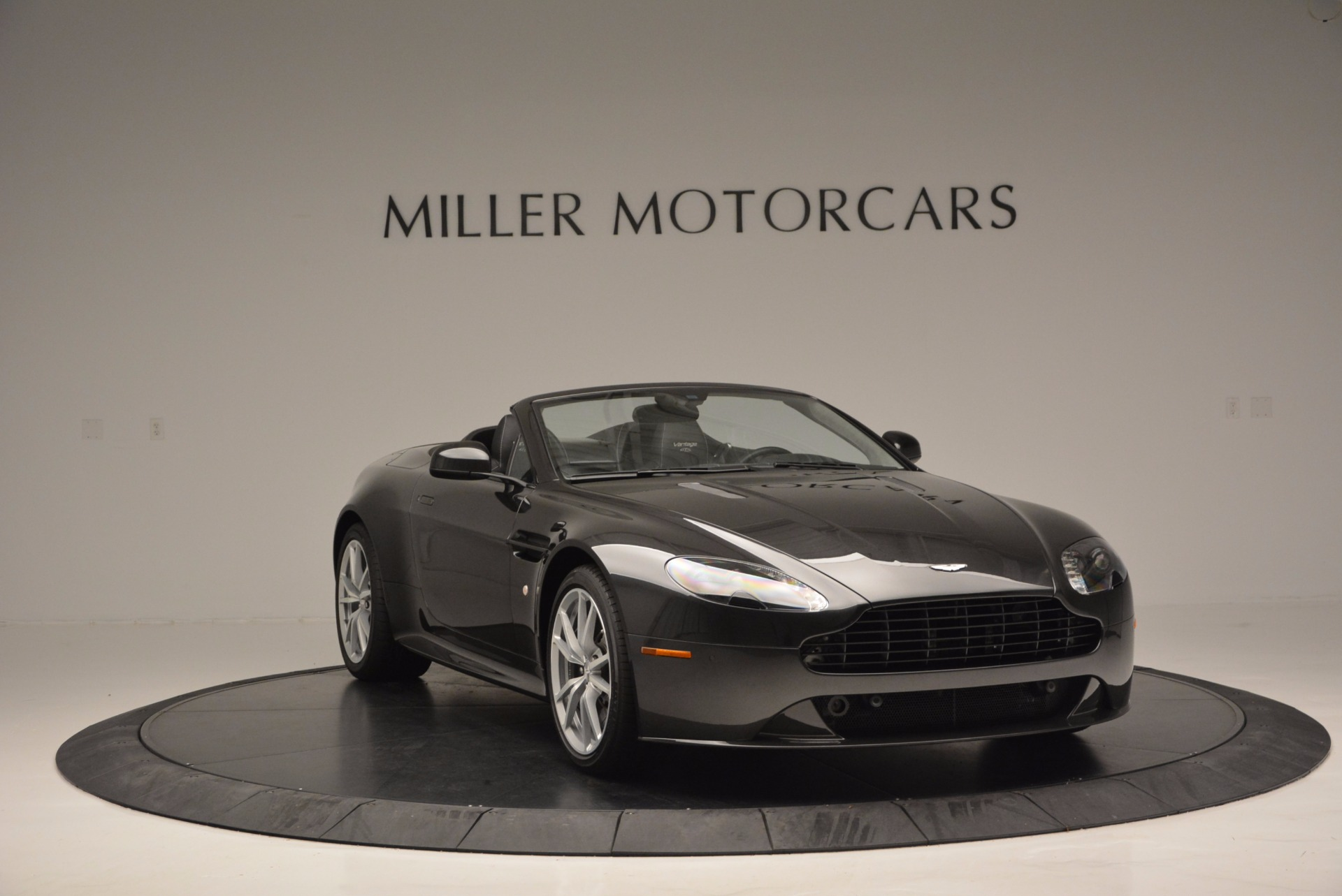 Used 2016 Aston Martin V8 Vantage S Roadster For Sale In Westport, CT 652_p10