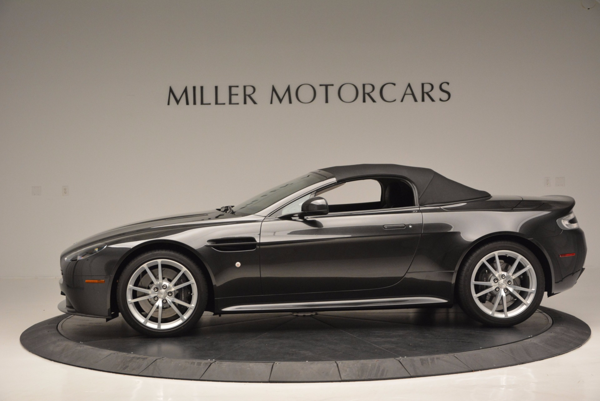 Used 2016 Aston Martin V8 Vantage S Roadster For Sale In Westport, CT 652_p15