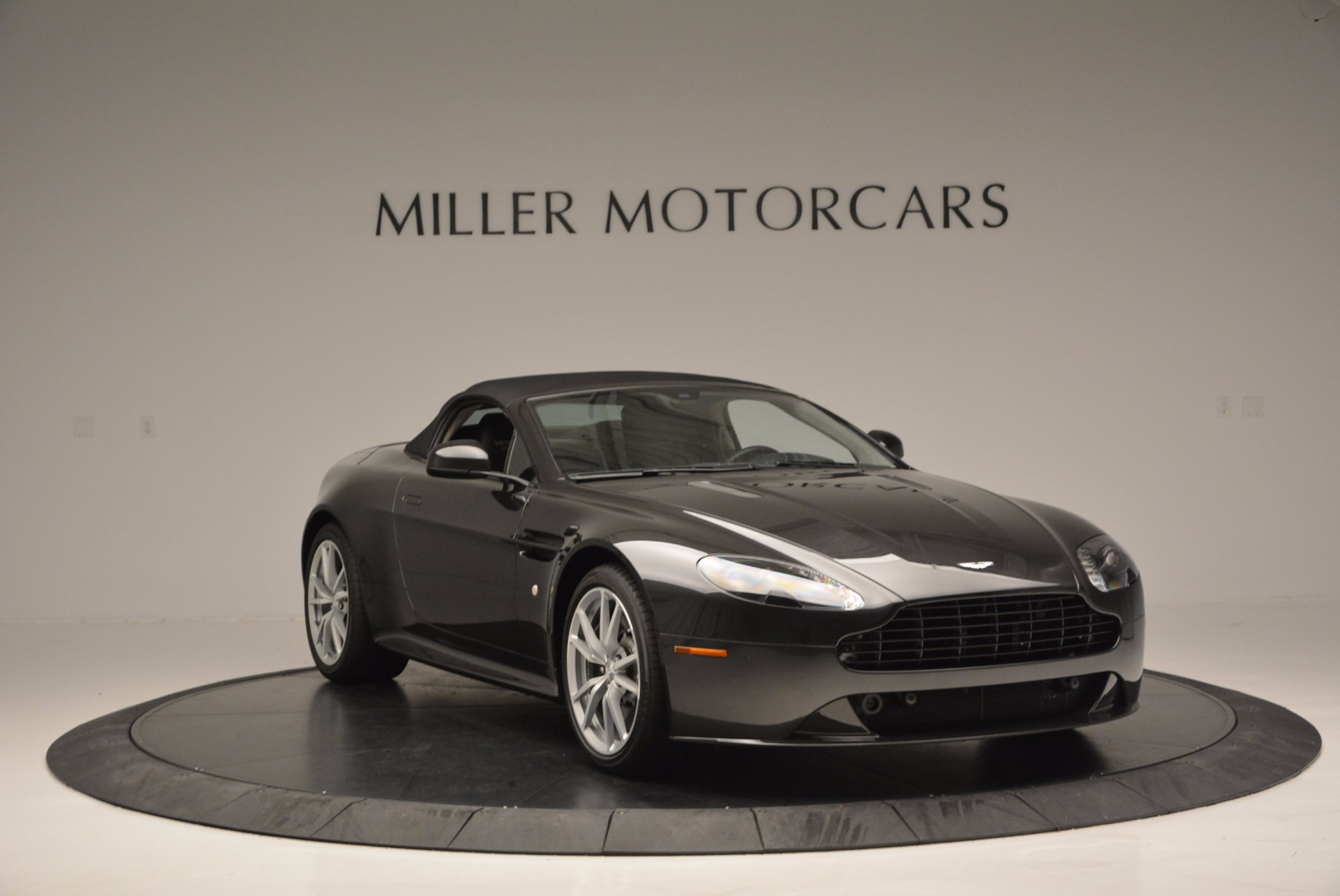 Used 2016 Aston Martin V8 Vantage S Roadster For Sale In Westport, CT 652_p23