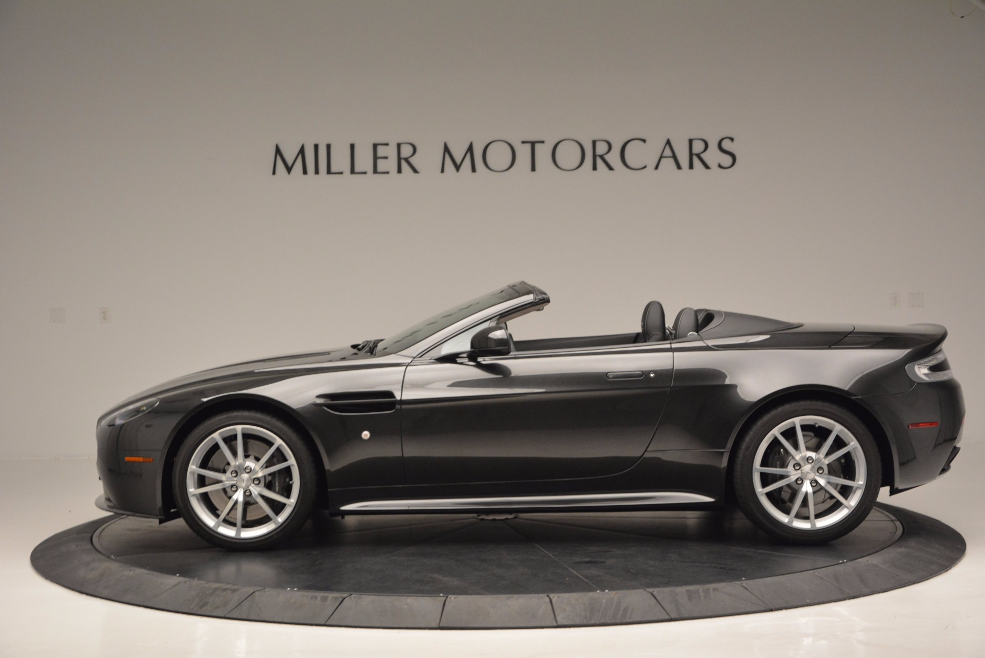 Used 2016 Aston Martin V8 Vantage S Roadster For Sale In Westport, CT 652_p3