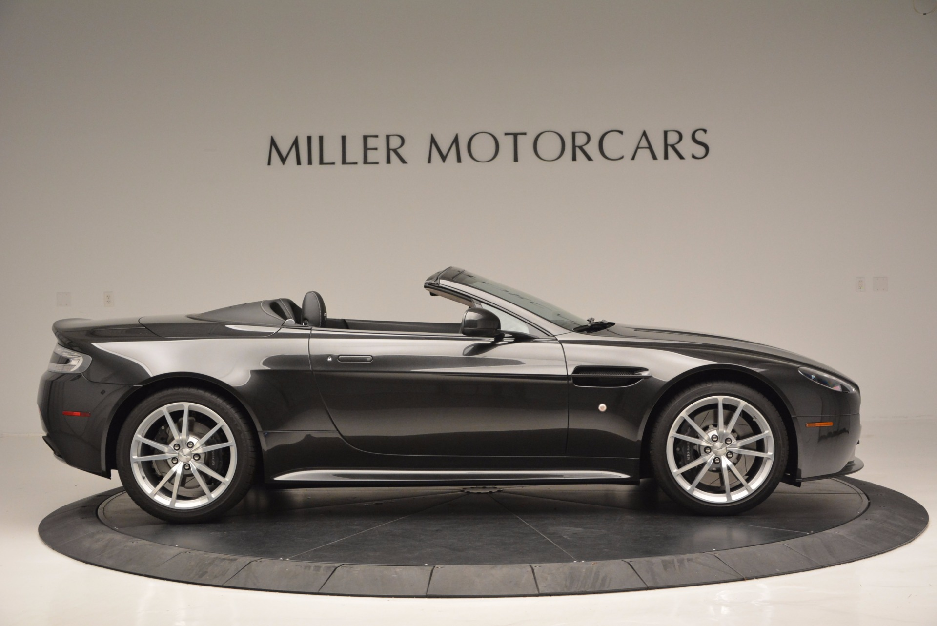 Used 2016 Aston Martin V8 Vantage S Roadster For Sale In Westport, CT 652_p8
