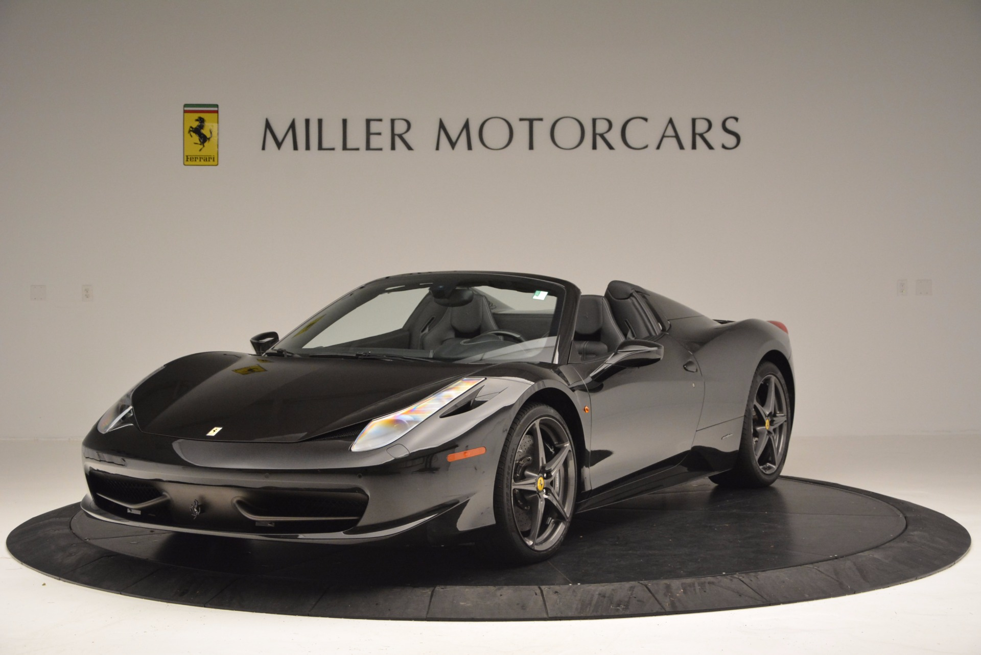 Used 2015 Ferrari 458 Spider  For Sale In Westport, CT 660_main