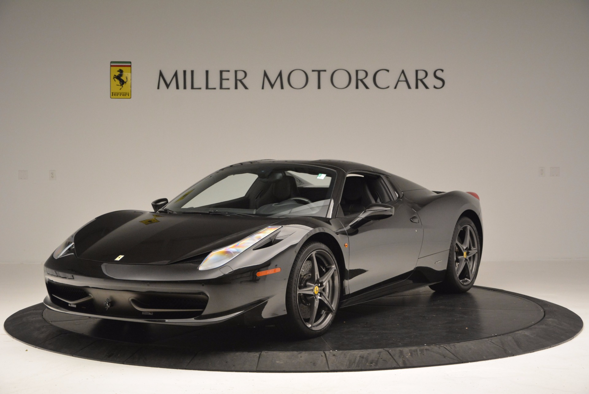 Used 2015 Ferrari 458 Spider  For Sale In Westport, CT 660_p13