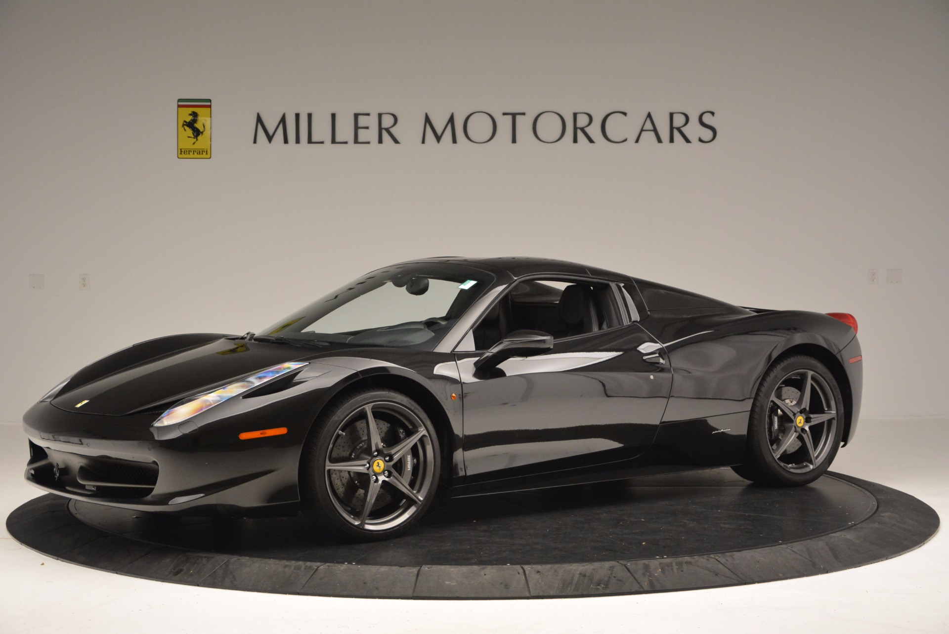 Used 2015 Ferrari 458 Spider  For Sale In Westport, CT 660_p14