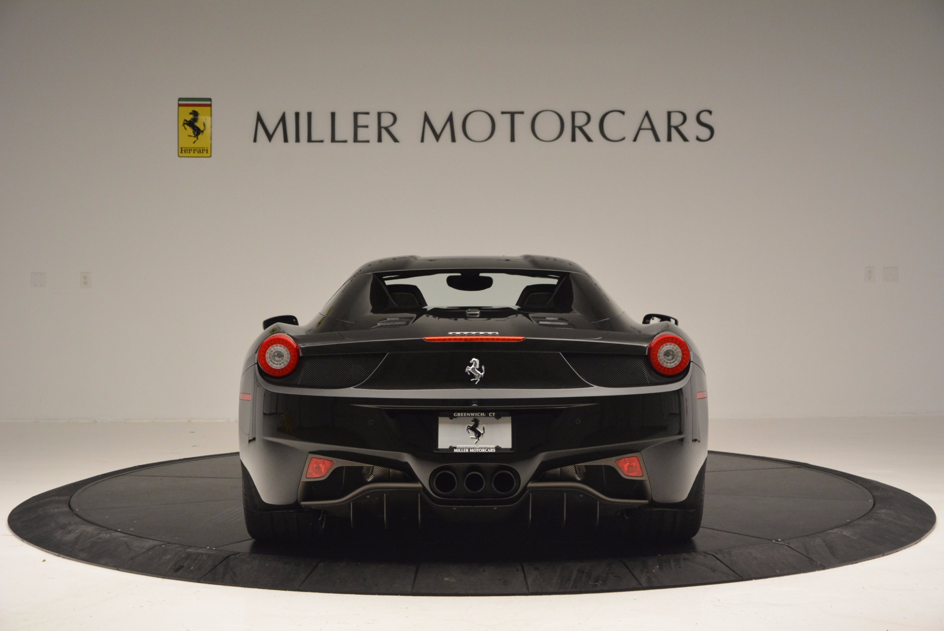 Used 2015 Ferrari 458 Spider  For Sale In Westport, CT 660_p18