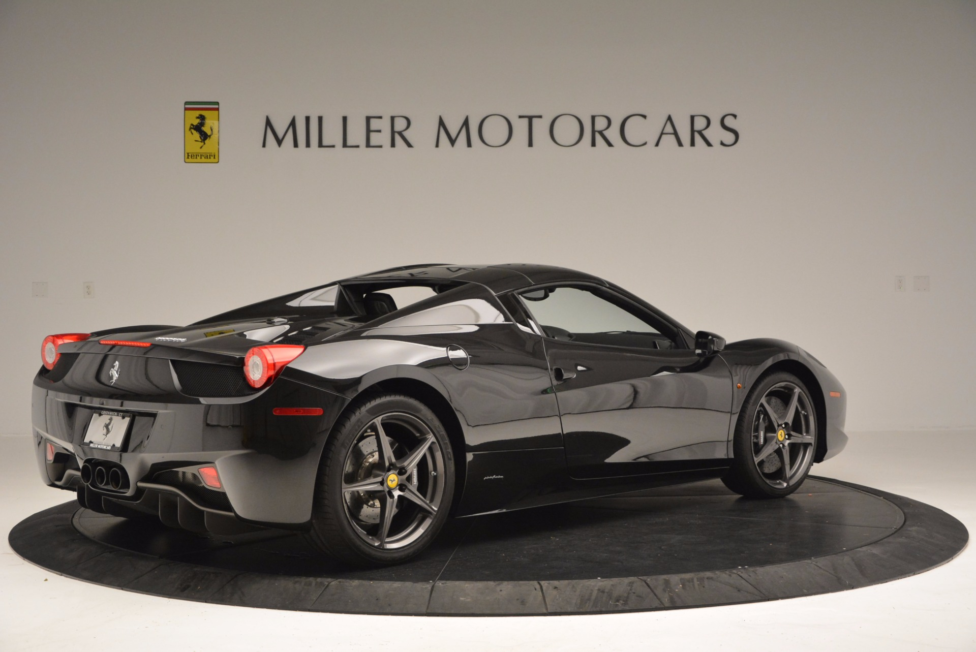 Used 2015 Ferrari 458 Spider  For Sale In Westport, CT 660_p20