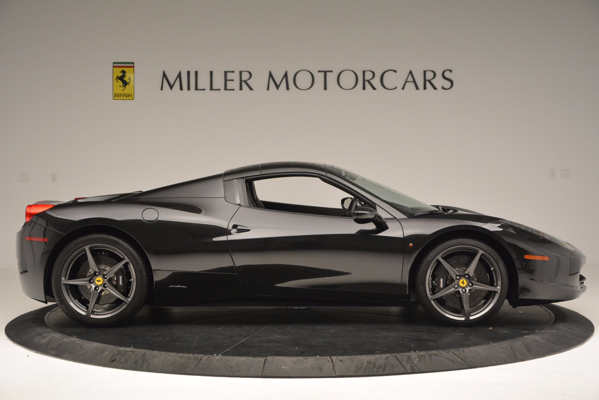 Used 2015 Ferrari 458 Spider  For Sale In Westport, CT 660_p21
