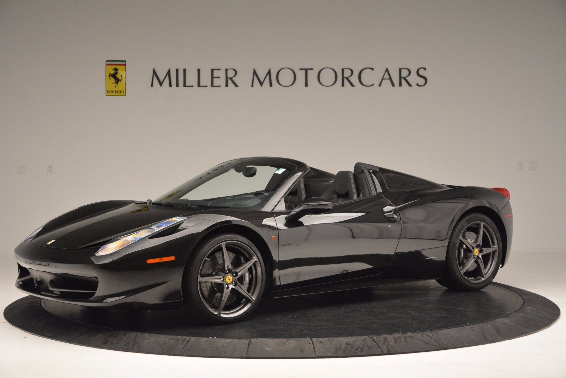Used 2015 Ferrari 458 Spider  For Sale In Westport, CT 660_p2