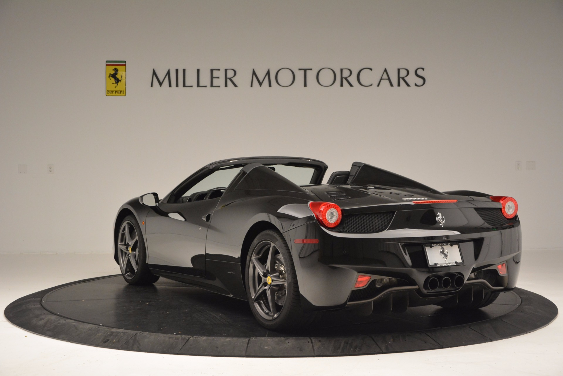 Used 2015 Ferrari 458 Spider  For Sale In Westport, CT 660_p5