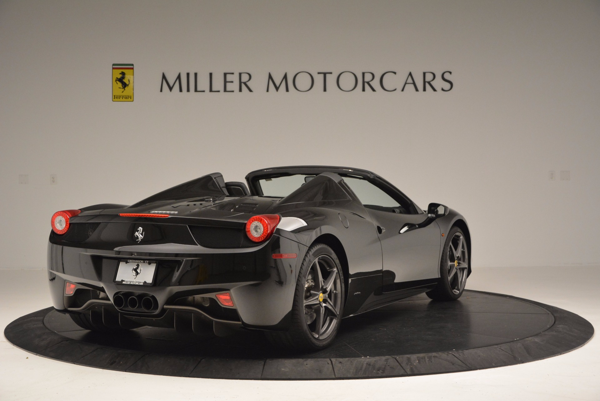 Used 2015 Ferrari 458 Spider  For Sale In Westport, CT 660_p7