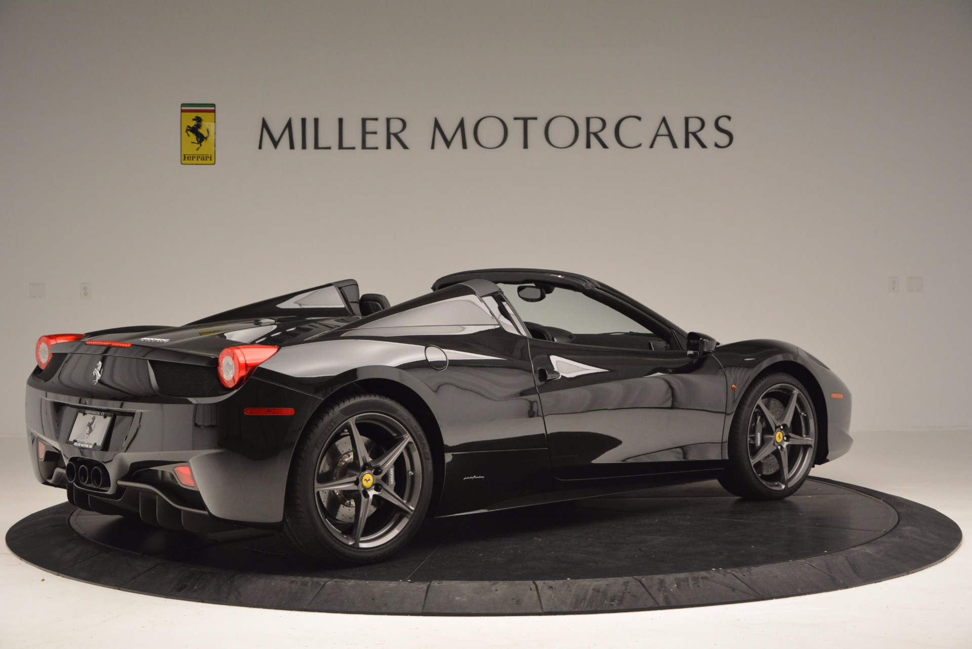 Used 2015 Ferrari 458 Spider  For Sale In Westport, CT 660_p8