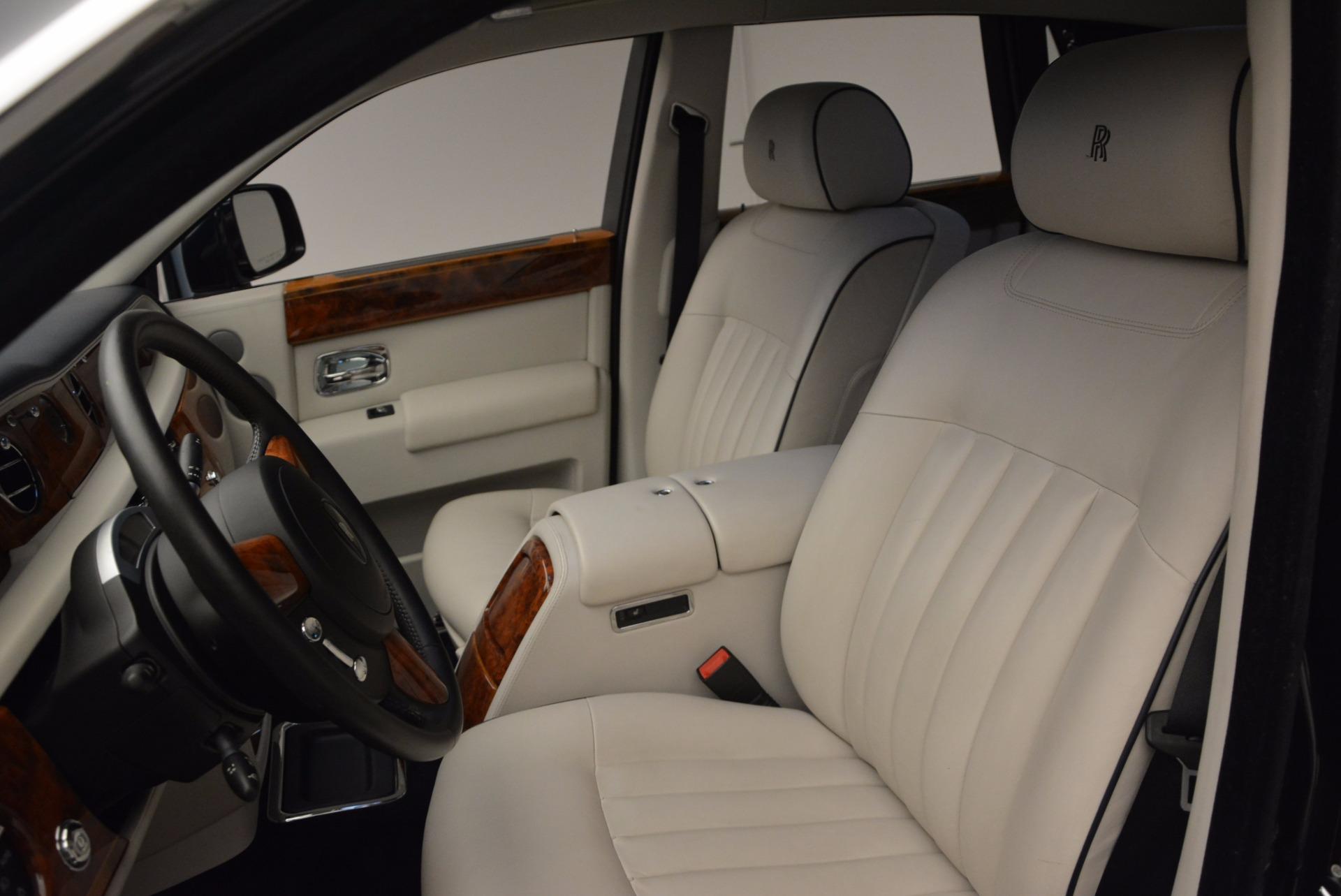 Used 2011 Rolls-Royce Phantom  For Sale In Westport, CT 661_p11
