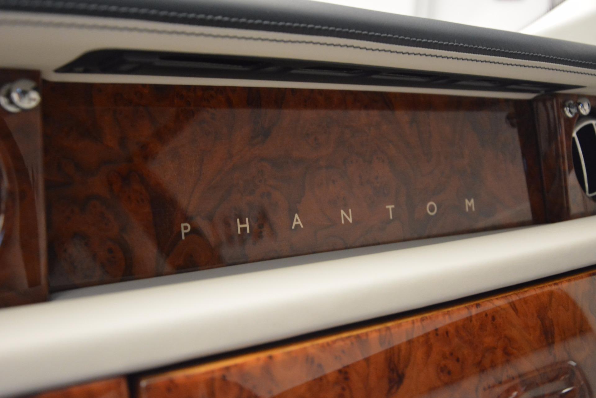 Used 2011 Rolls-Royce Phantom  For Sale In Westport, CT 661_p15