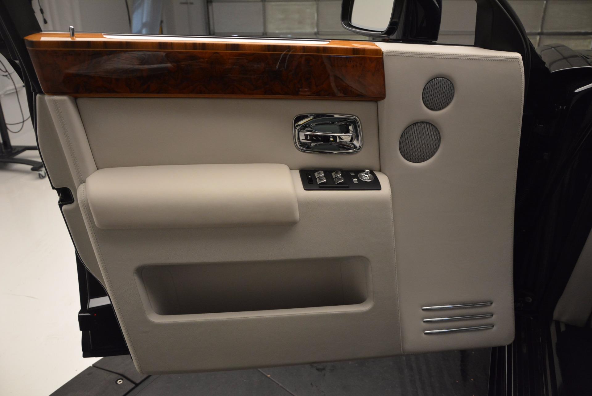 Used 2011 Rolls-Royce Phantom  For Sale In Westport, CT 661_p9