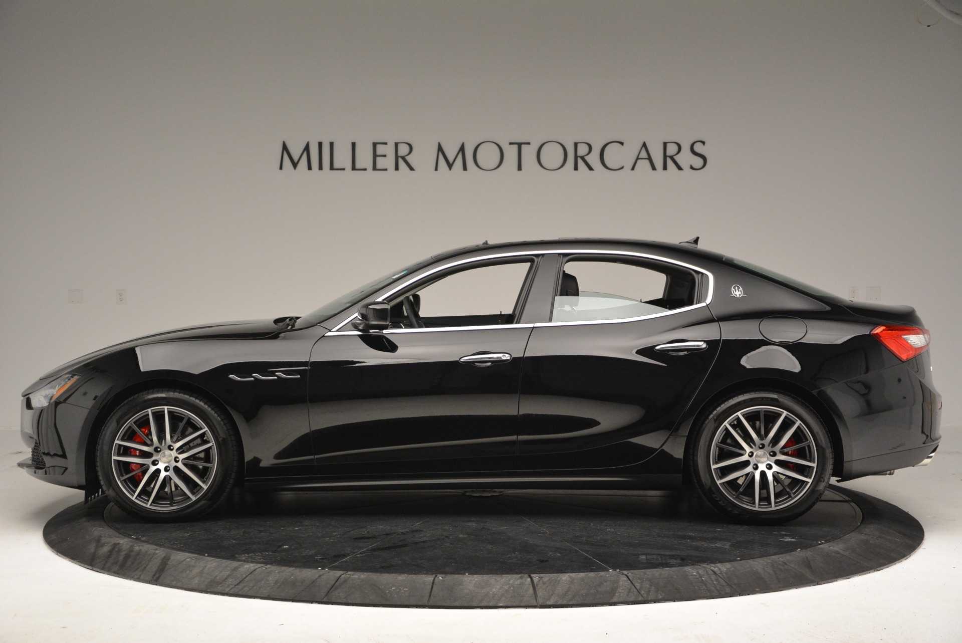 Used 2016 Maserati Ghibli S Q4  EX-LOANER For Sale In Westport, CT 667_p3