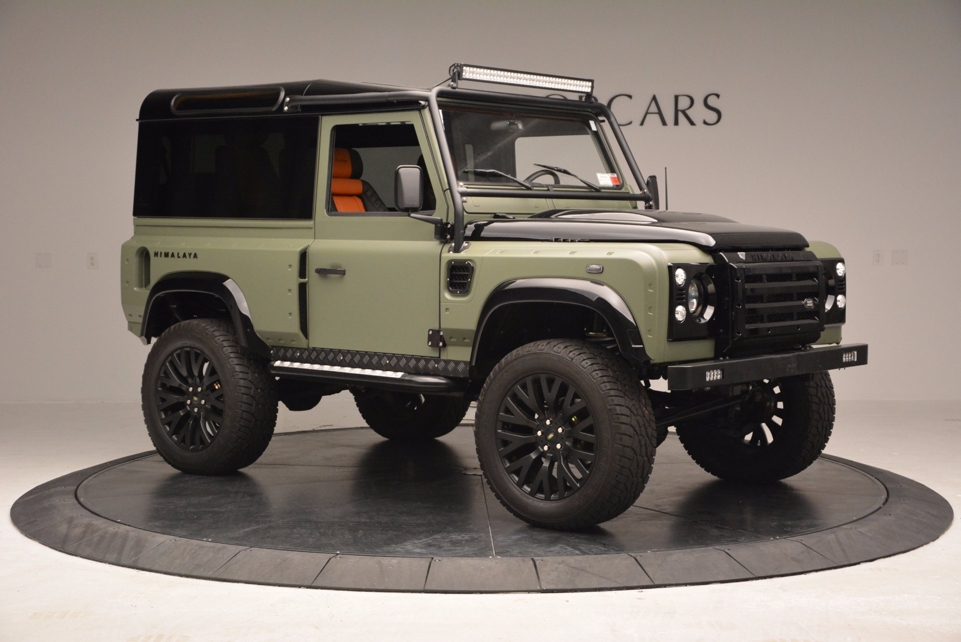 Used 1997 land rover defender 90 westport ct for Land rover tarbes garage moderne