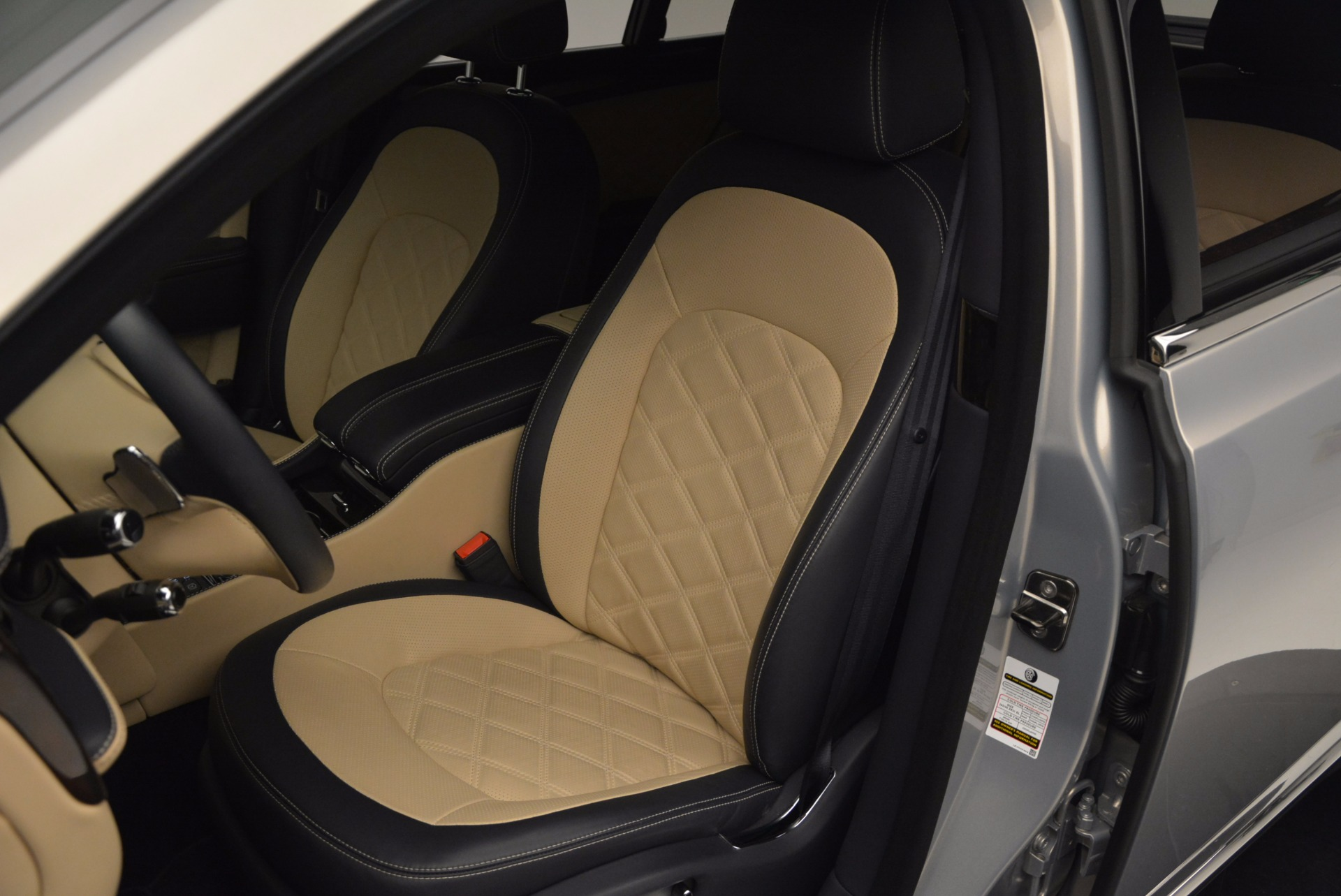 Used 2016 Bentley Mulsanne Speed For Sale In Westport, CT 671_p24