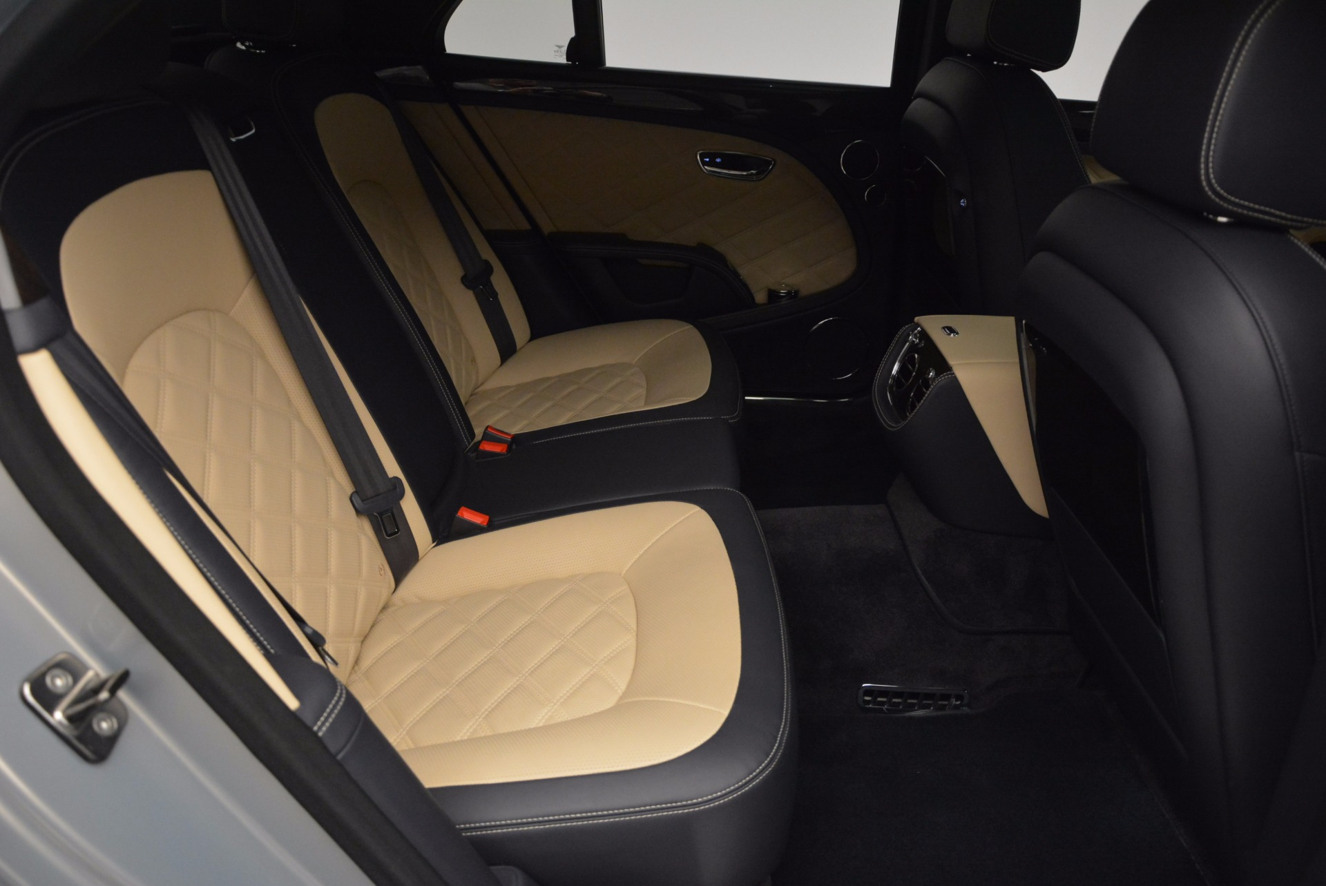 Used 2016 Bentley Mulsanne Speed For Sale In Westport, CT 671_p48