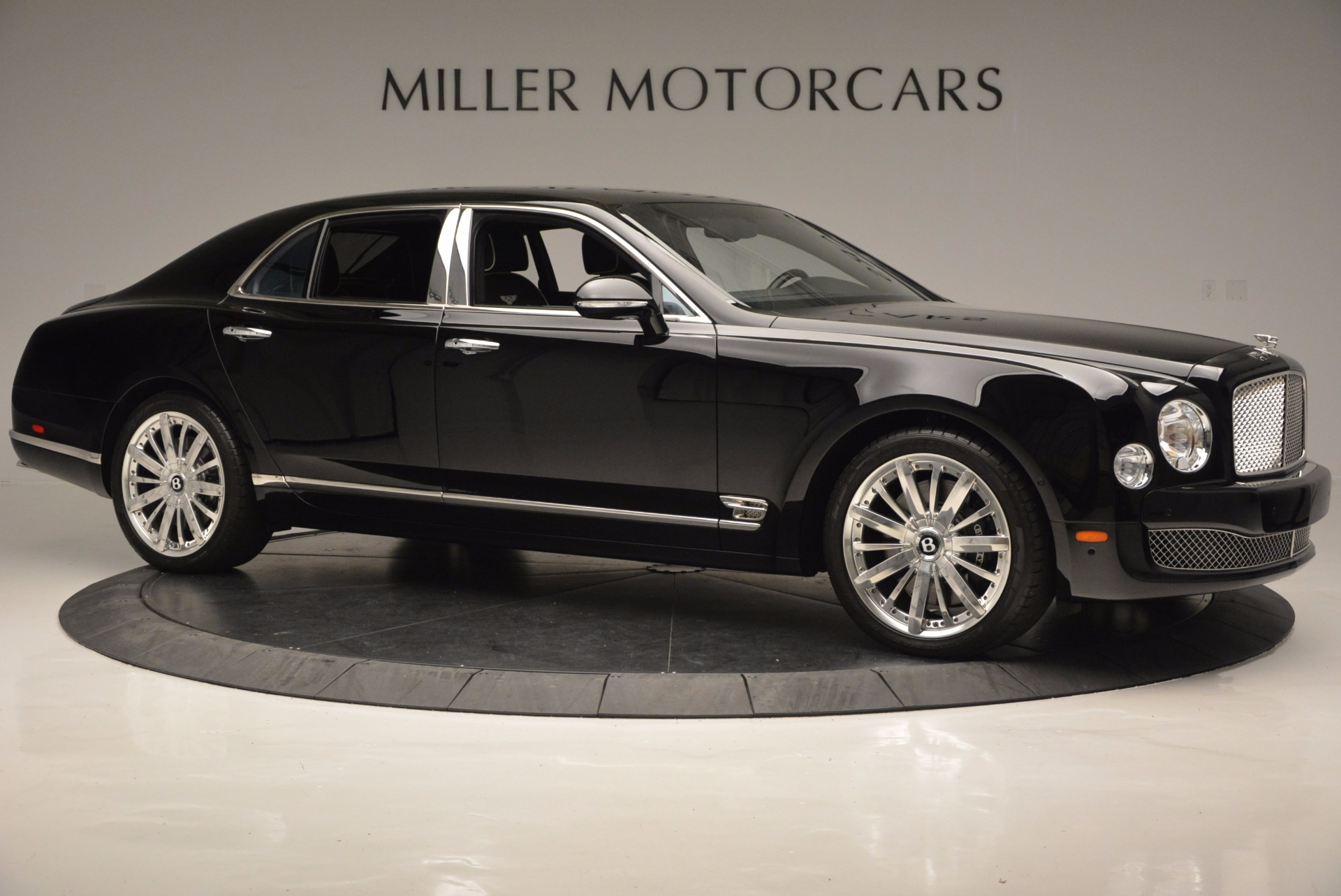 Used 2016 Bentley Mulsanne  For Sale In Westport, CT 672_p10