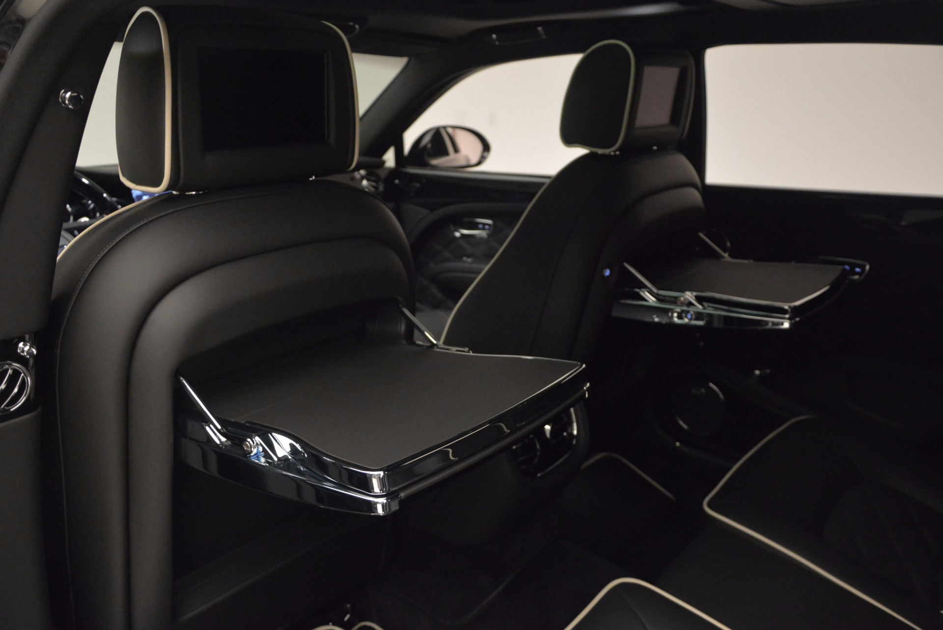 Used 2016 Bentley Mulsanne  For Sale In Westport, CT 672_p31