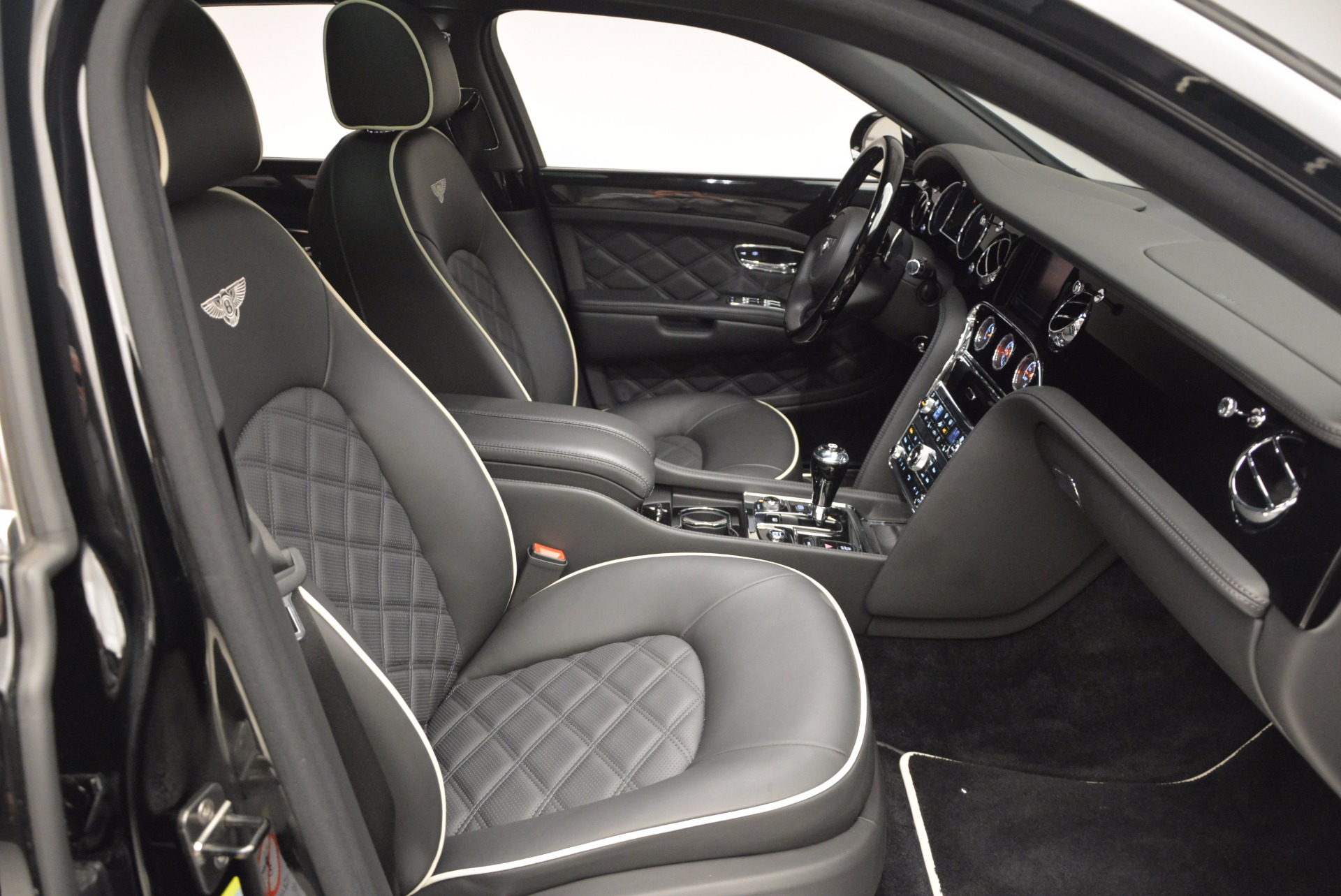 Used 2016 Bentley Mulsanne  For Sale In Westport, CT 672_p42