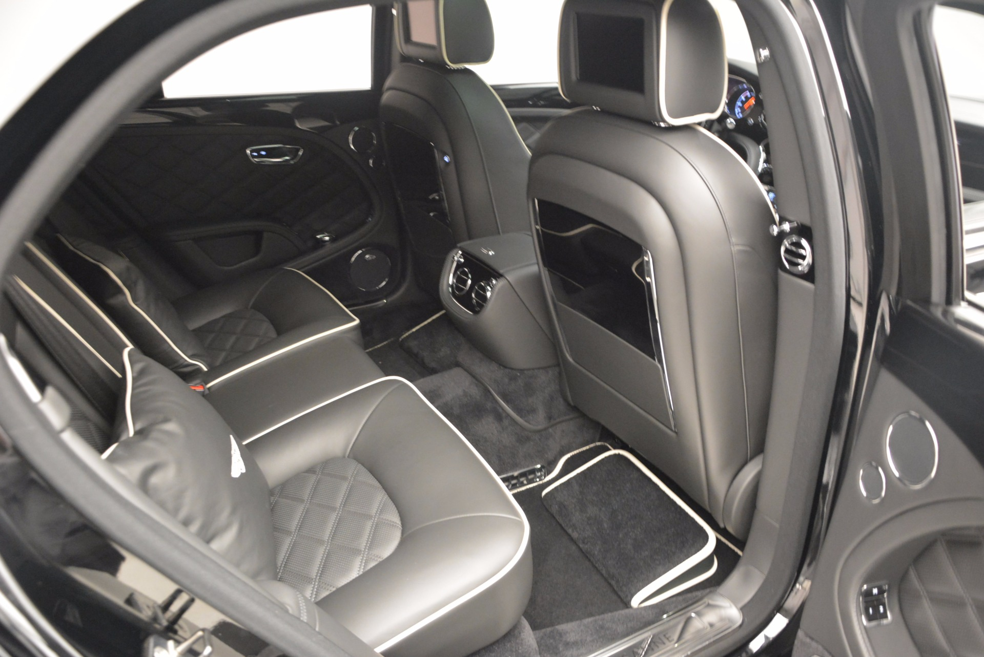 Used 2016 Bentley Mulsanne  For Sale In Westport, CT 672_p48