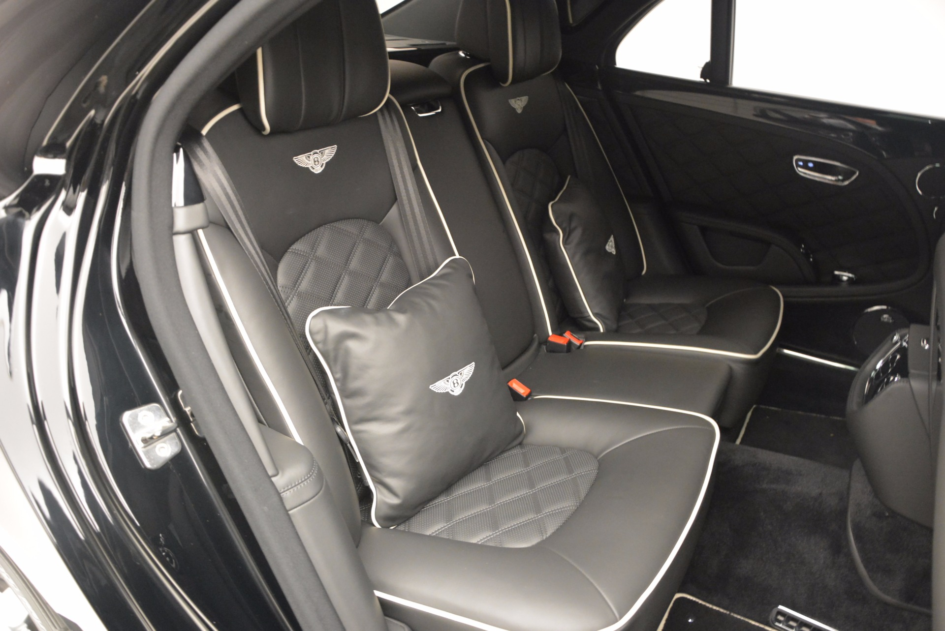 Used 2016 Bentley Mulsanne  For Sale In Westport, CT 672_p50