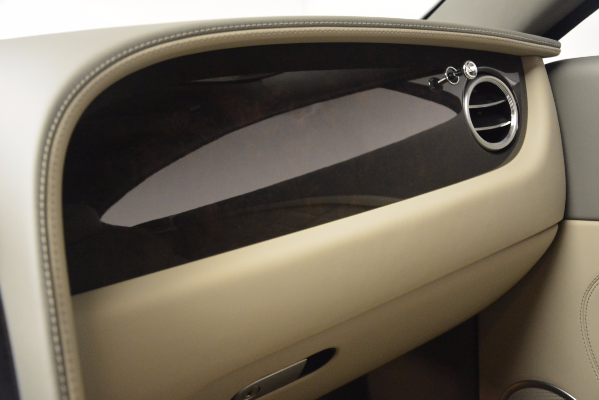 Used 2014 Bentley Continental GT V8  For Sale In Westport, CT 673_p28