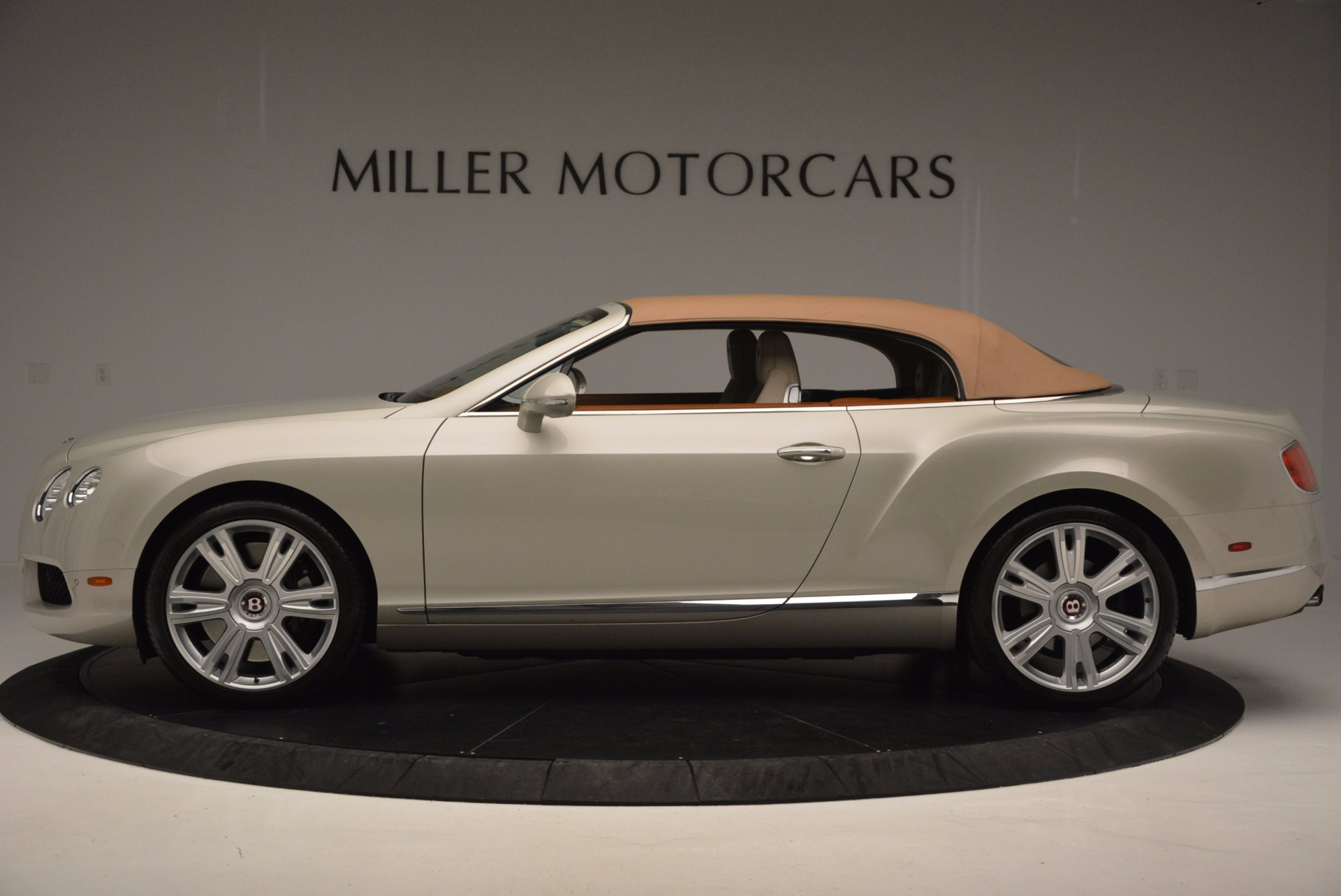 Used 2013 Bentley Continental GTC V8  For Sale In Westport, CT 675_p16
