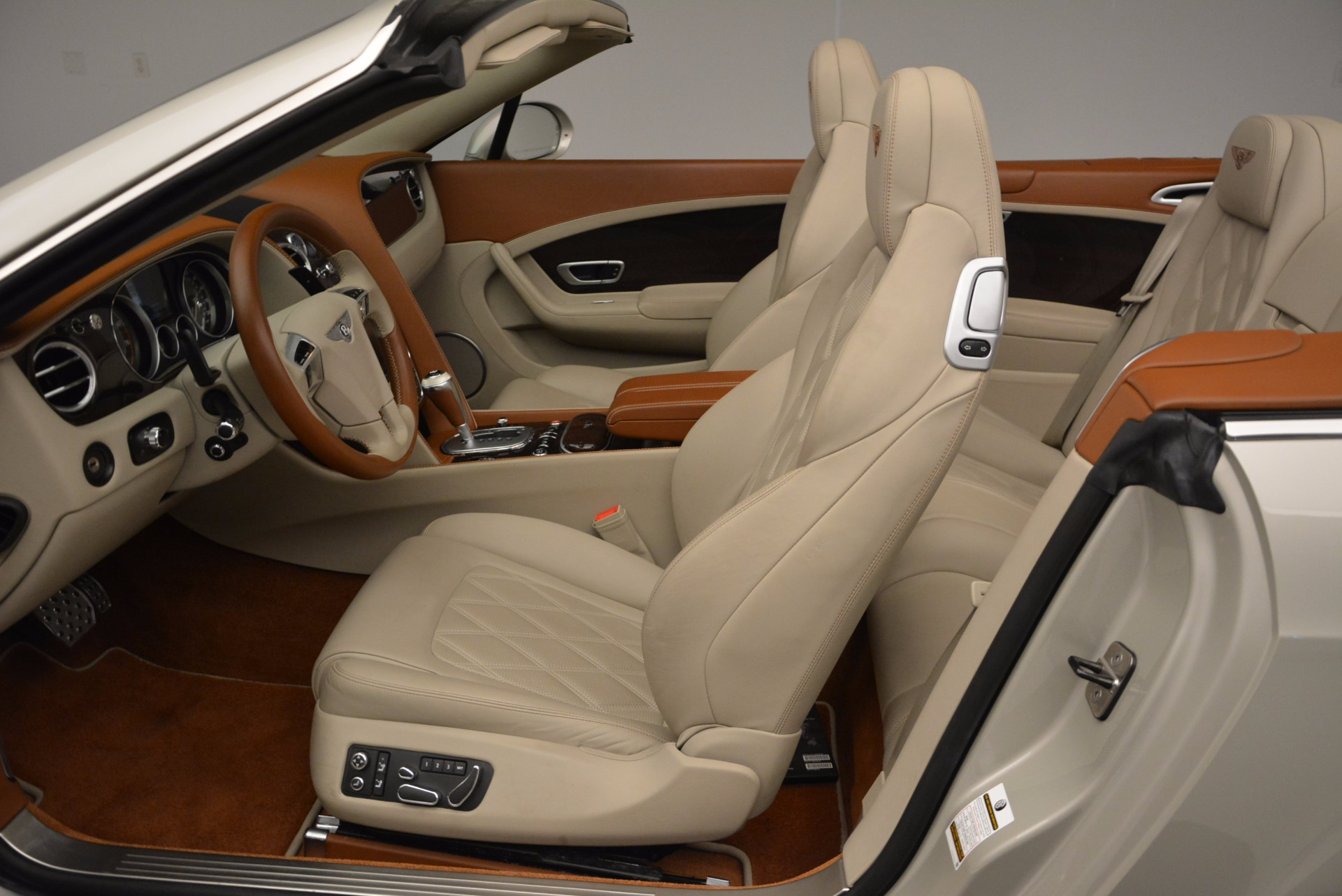 Used 2013 Bentley Continental GTC V8  For Sale In Westport, CT 675_p33