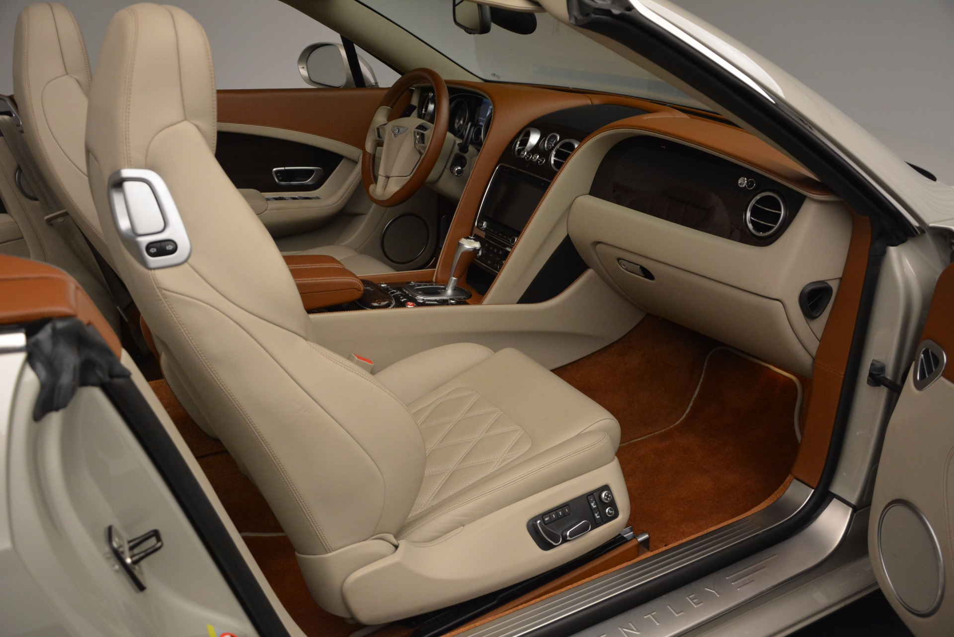 Used 2013 Bentley Continental GTC V8  For Sale In Westport, CT 675_p44