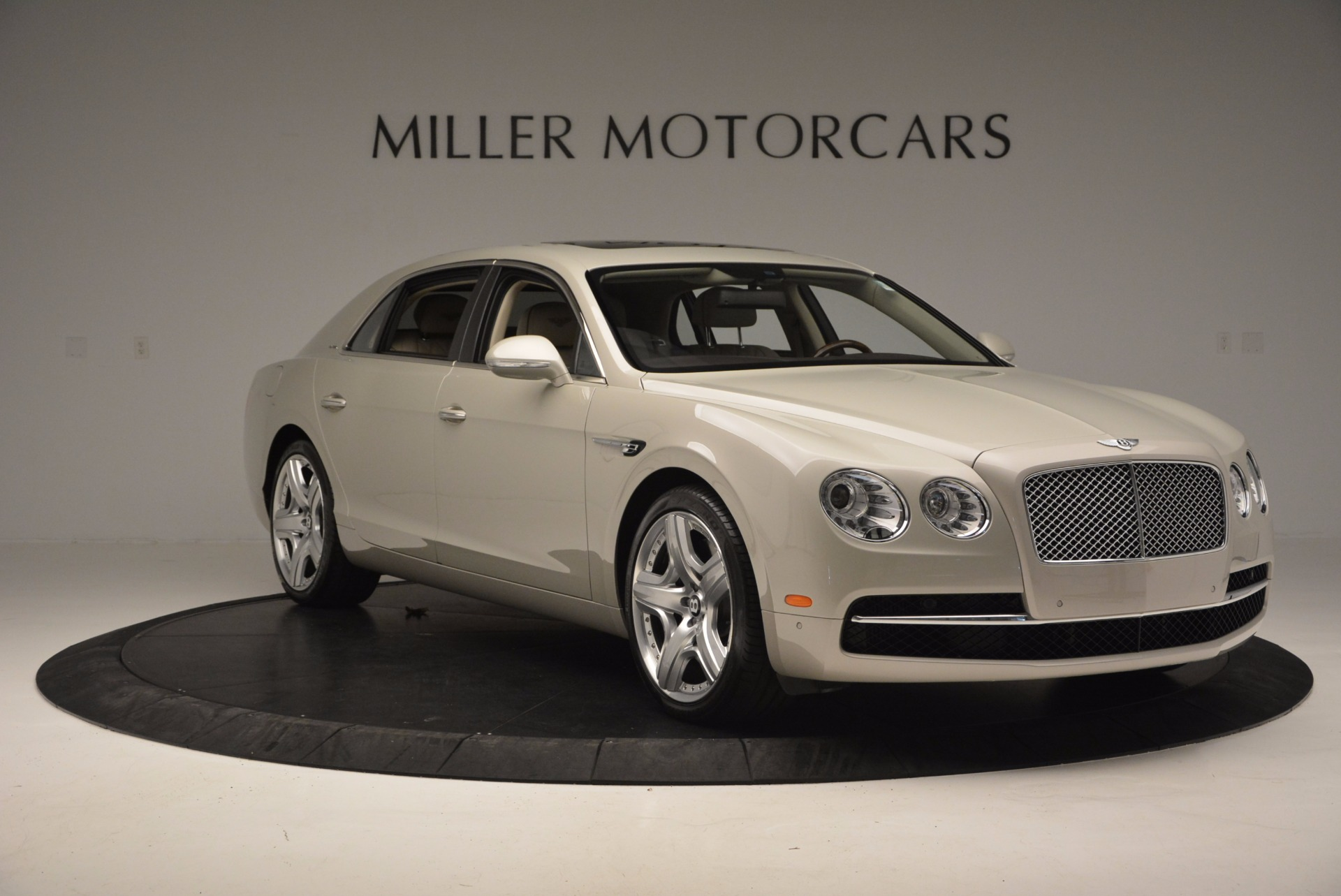 Used 2015 Bentley Flying Spur W12  For Sale In Westport, CT 694_p11