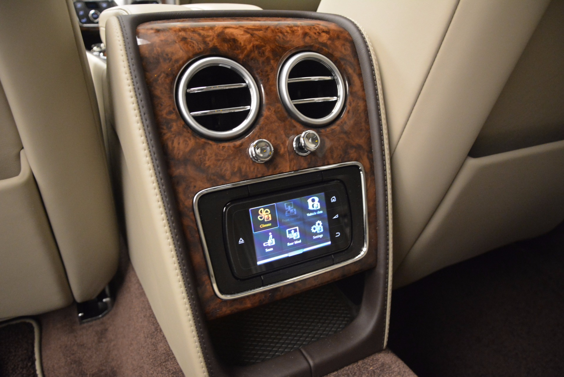 Used 2015 Bentley Flying Spur W12  For Sale In Westport, CT 694_p32