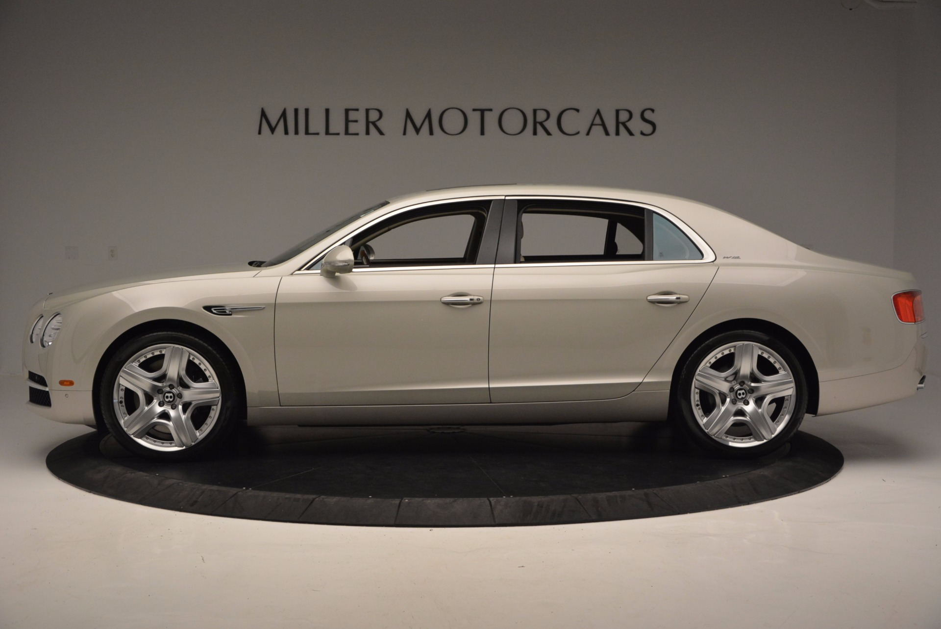 Used 2015 Bentley Flying Spur W12  For Sale In Westport, CT 694_p3