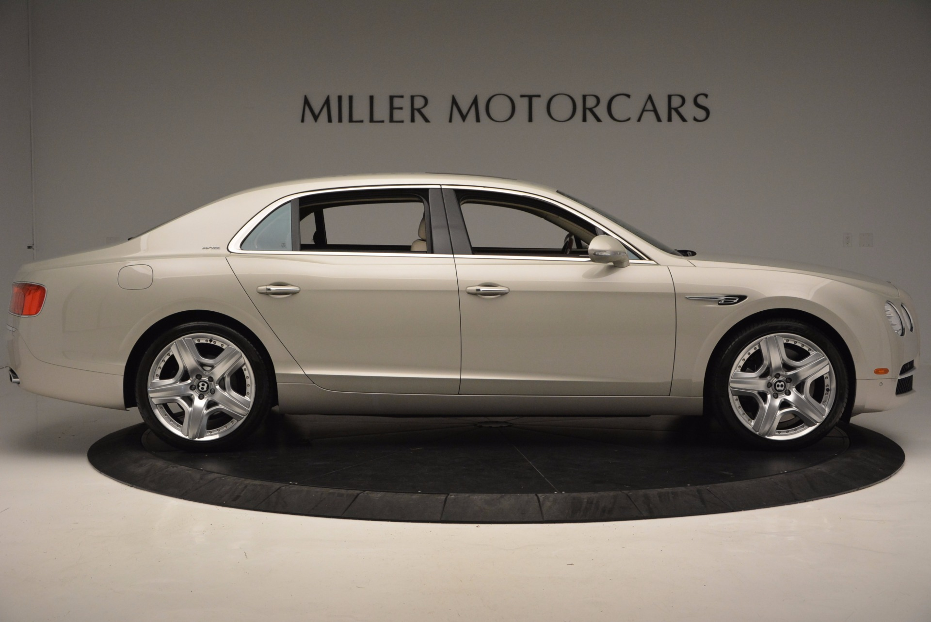 Used 2015 Bentley Flying Spur W12  For Sale In Westport, CT 694_p9