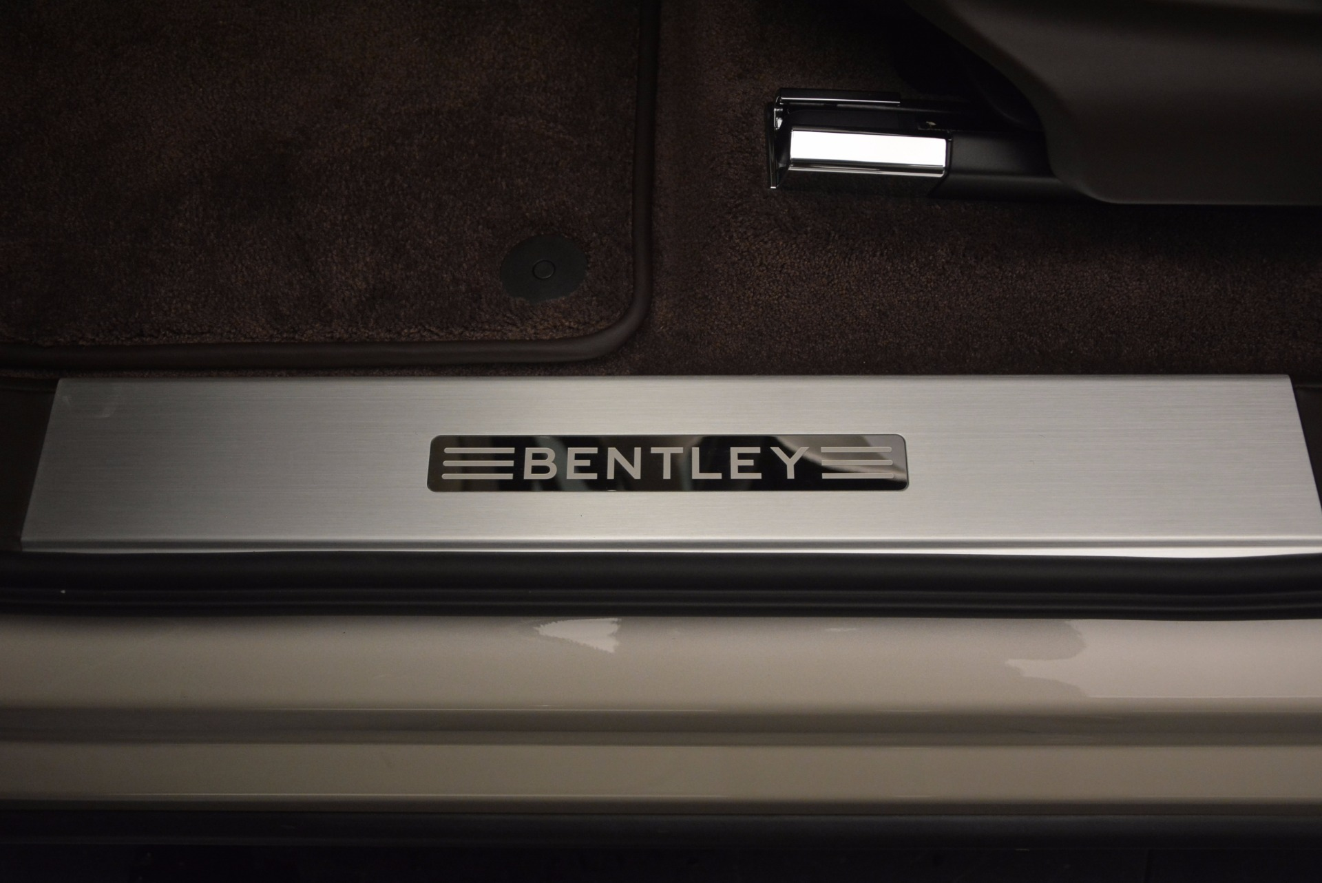 Used 2017 Bentley Bentayga  For Sale In Westport, CT 695_p21