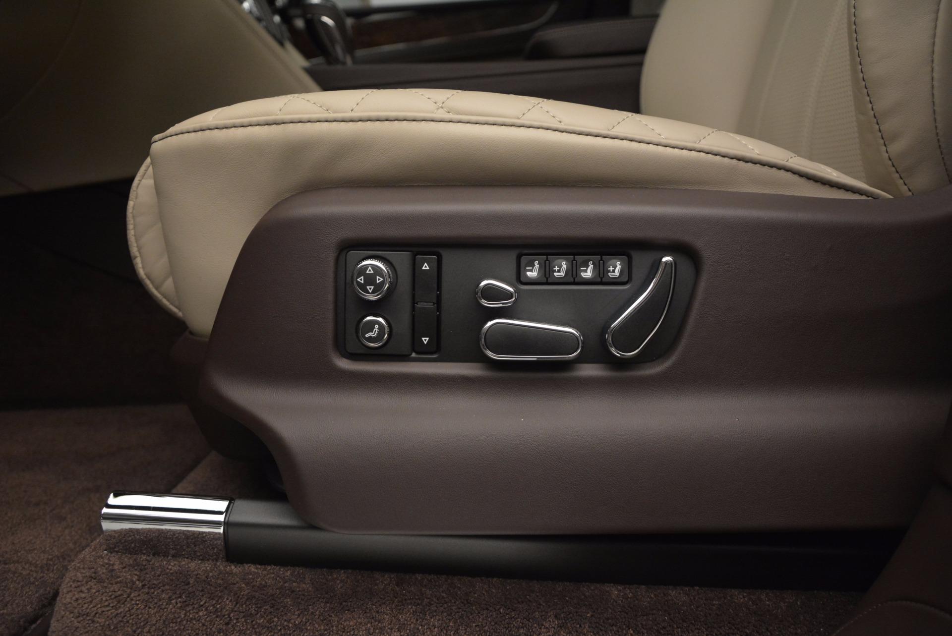Used 2017 Bentley Bentayga  For Sale In Westport, CT 695_p24