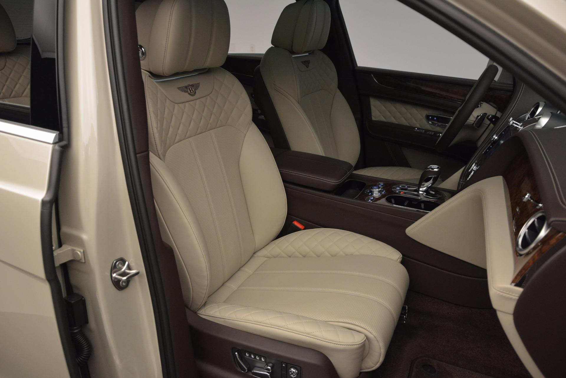 Used 2017 Bentley Bentayga  For Sale In Westport, CT 695_p36