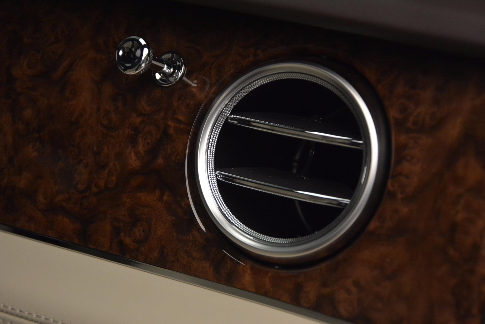 Used 2017 Bentley Bentayga  For Sale In Westport, CT 695_p39
