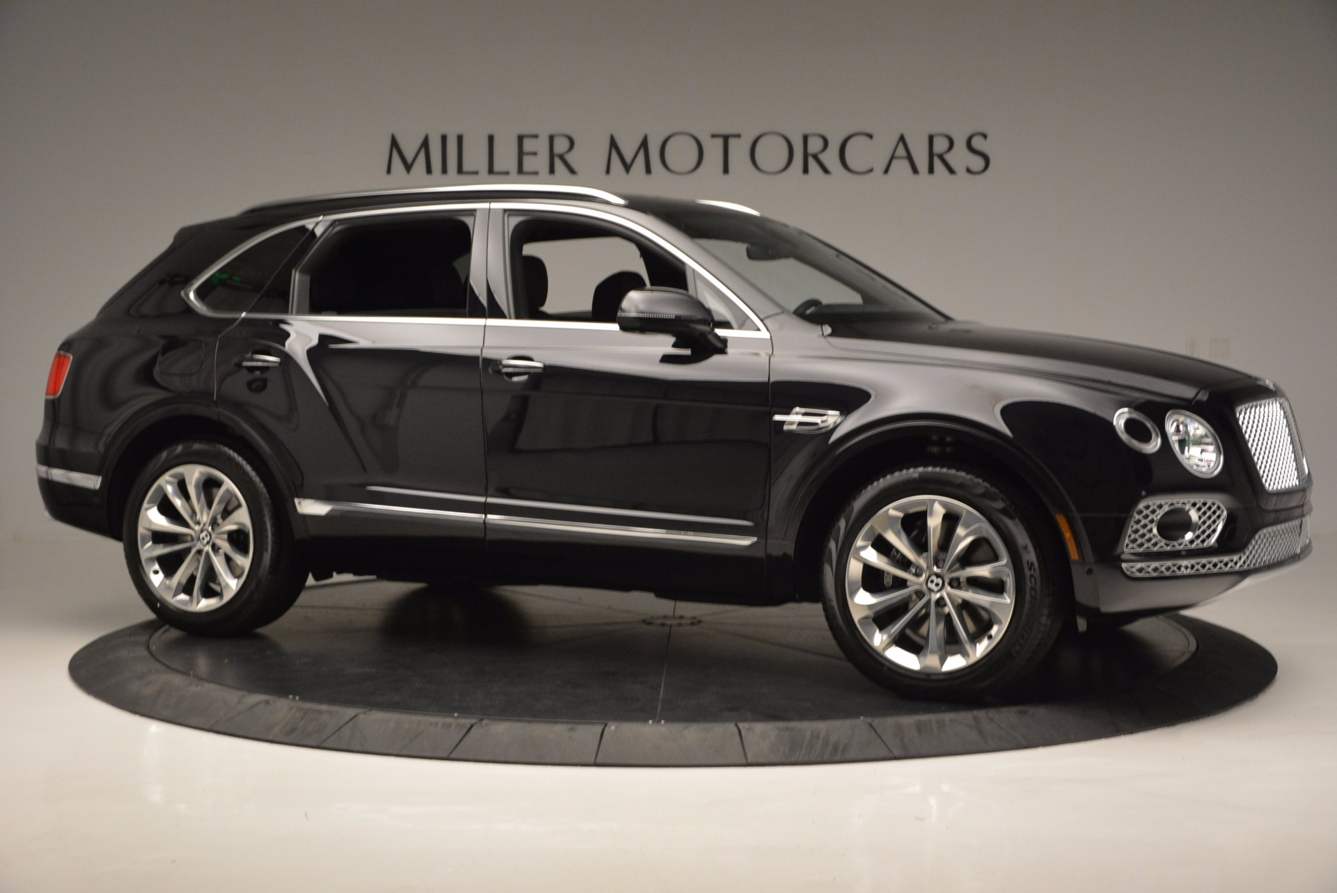 Used 2017 Bentley Bentayga W12 For Sale In Westport, CT 696_p10