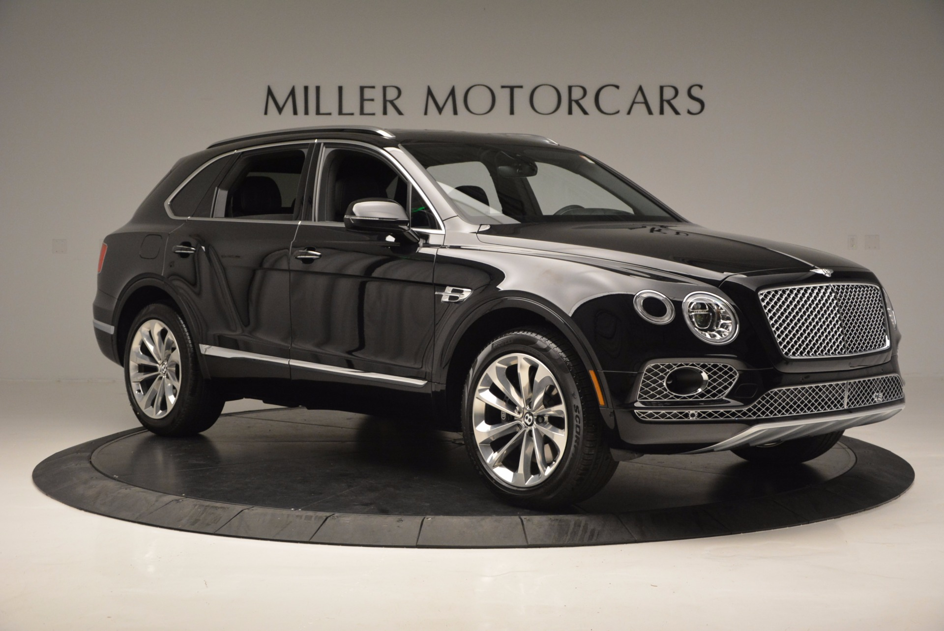 Used 2017 Bentley Bentayga W12 For Sale In Westport, CT 696_p11