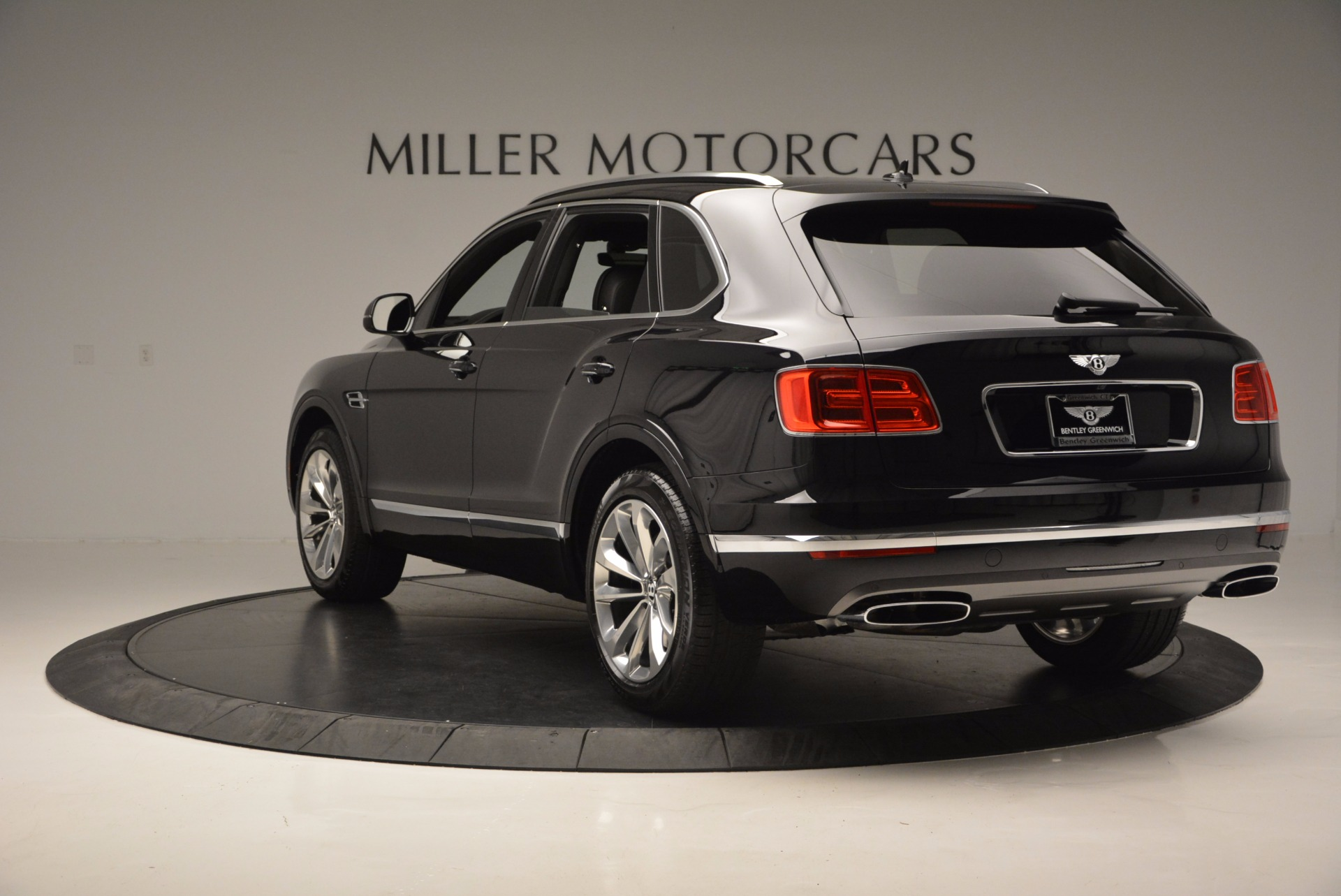Used 2017 Bentley Bentayga W12 For Sale In Westport, CT 696_p5