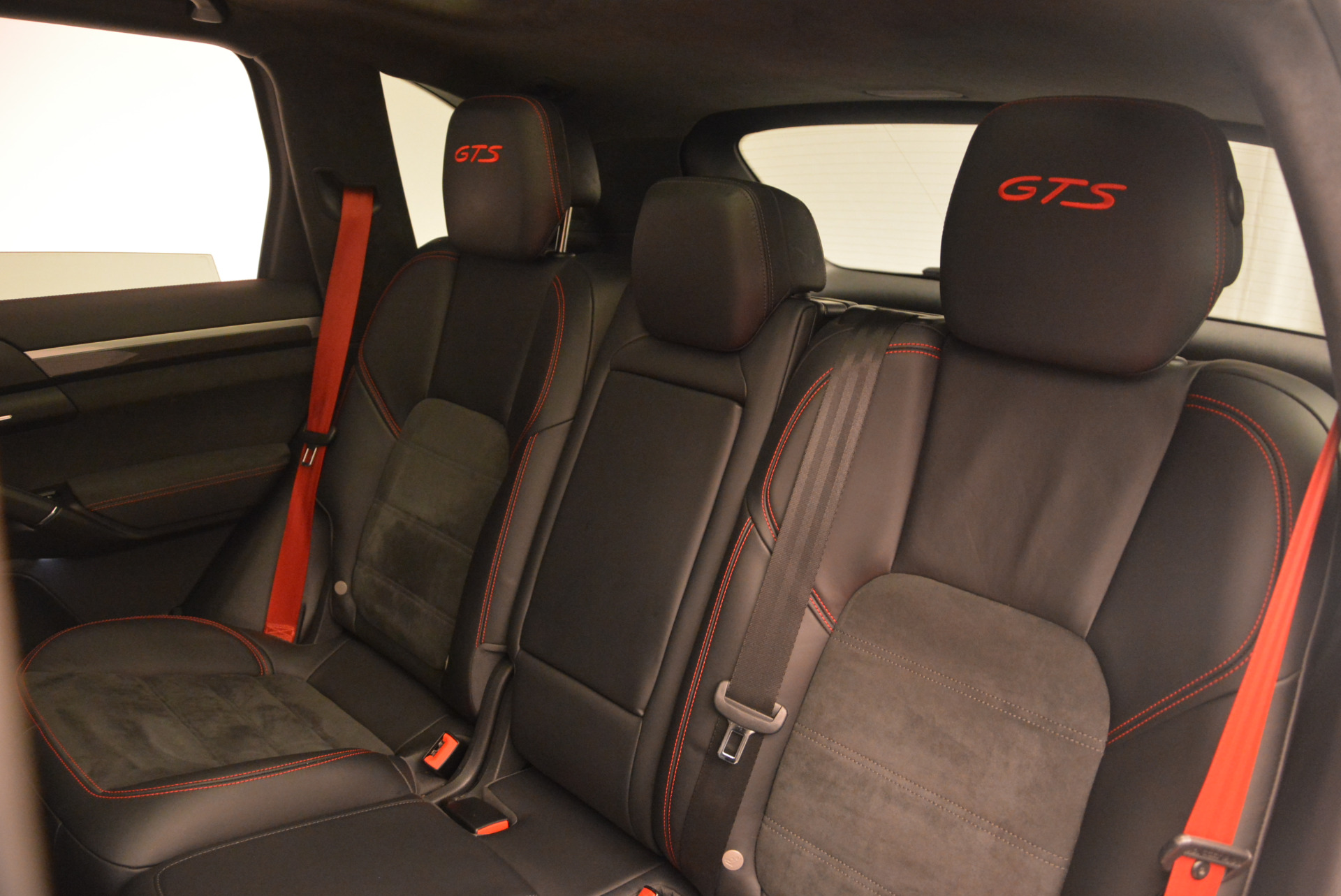 Used 2014 Porsche Cayenne GTS For Sale In Westport, CT 697_p24