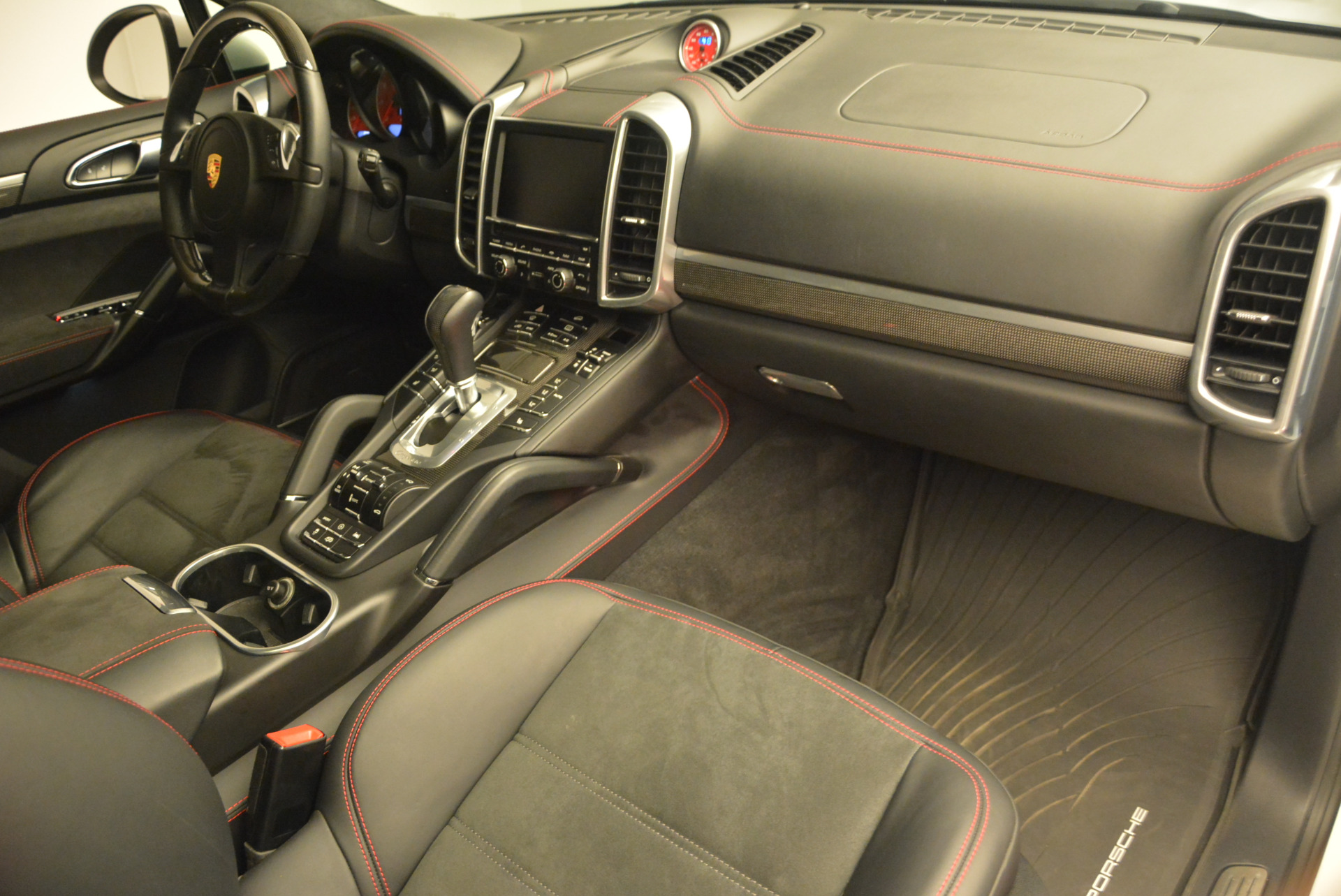 Used 2014 Porsche Cayenne GTS For Sale In Westport, CT 697_p25