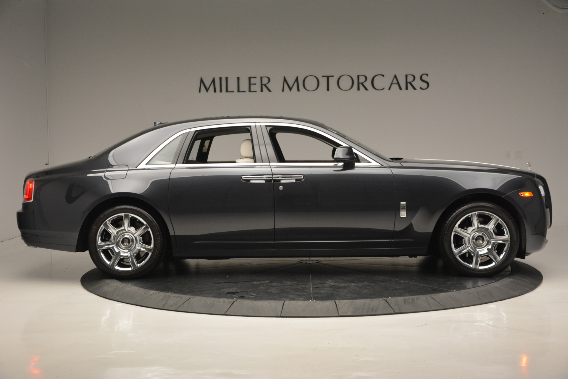 Used 2013 Rolls-Royce Ghost  For Sale In Westport, CT 702_p10