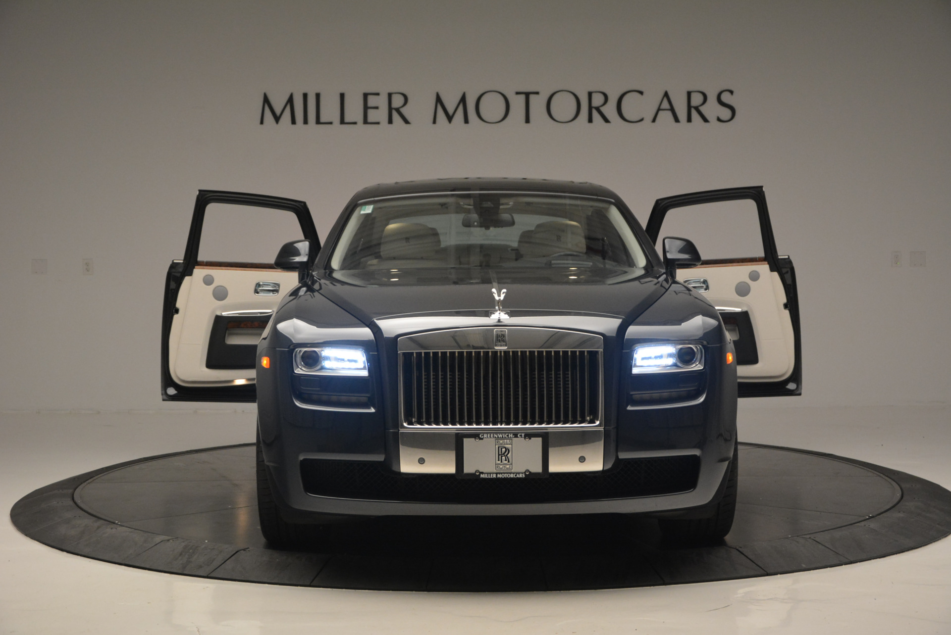 Used 2013 Rolls-Royce Ghost  For Sale In Westport, CT 702_p14
