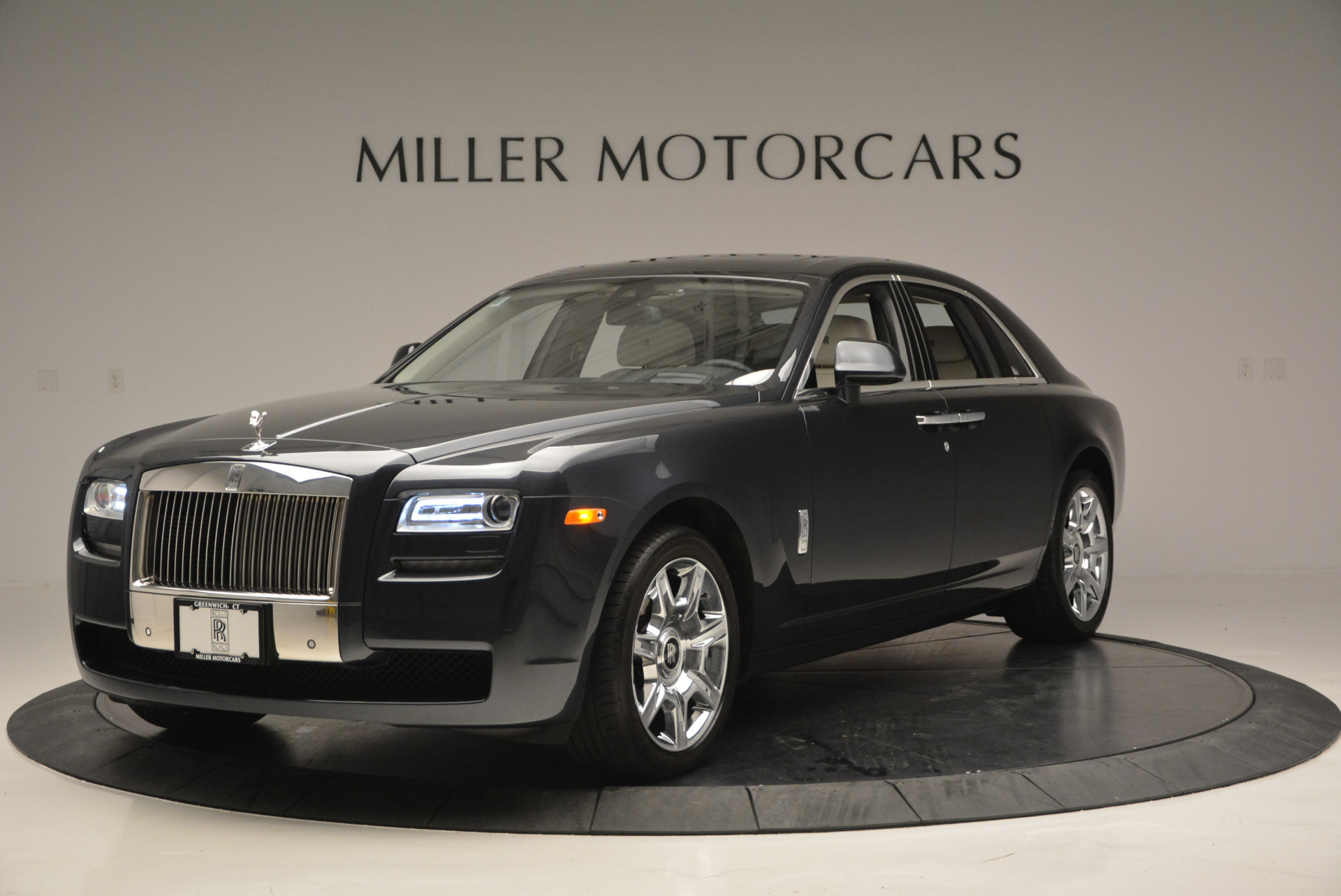 Used 2013 Rolls-Royce Ghost  For Sale In Westport, CT 702_p2